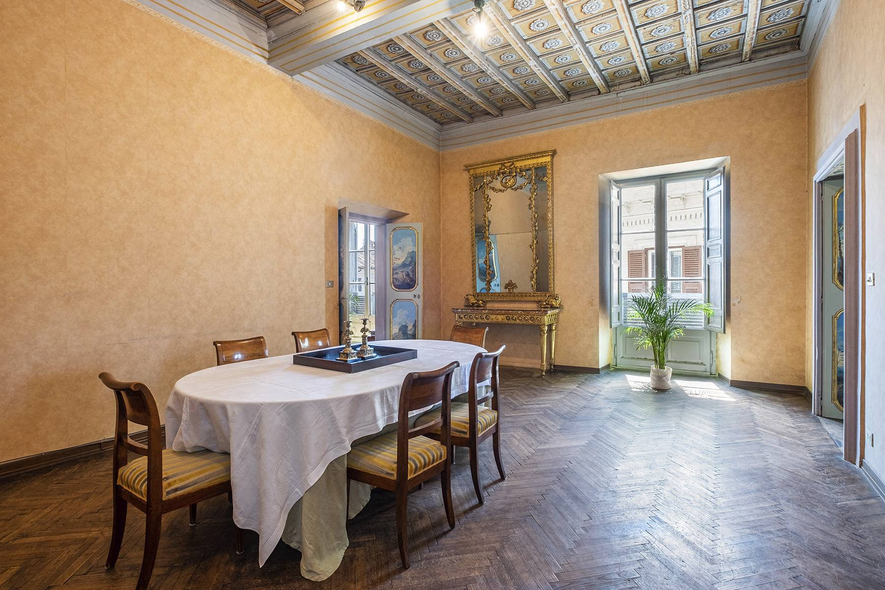 Magnificent apartment in historical property - 15