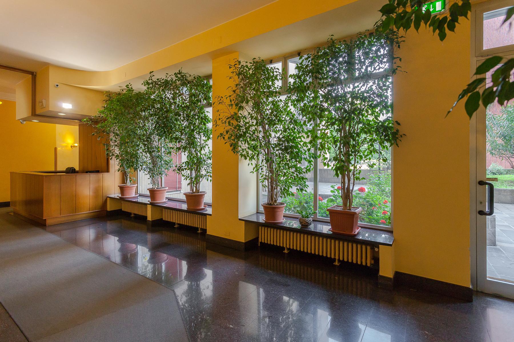 Splendide et grand trois pièces meublé au sixième étage - 22