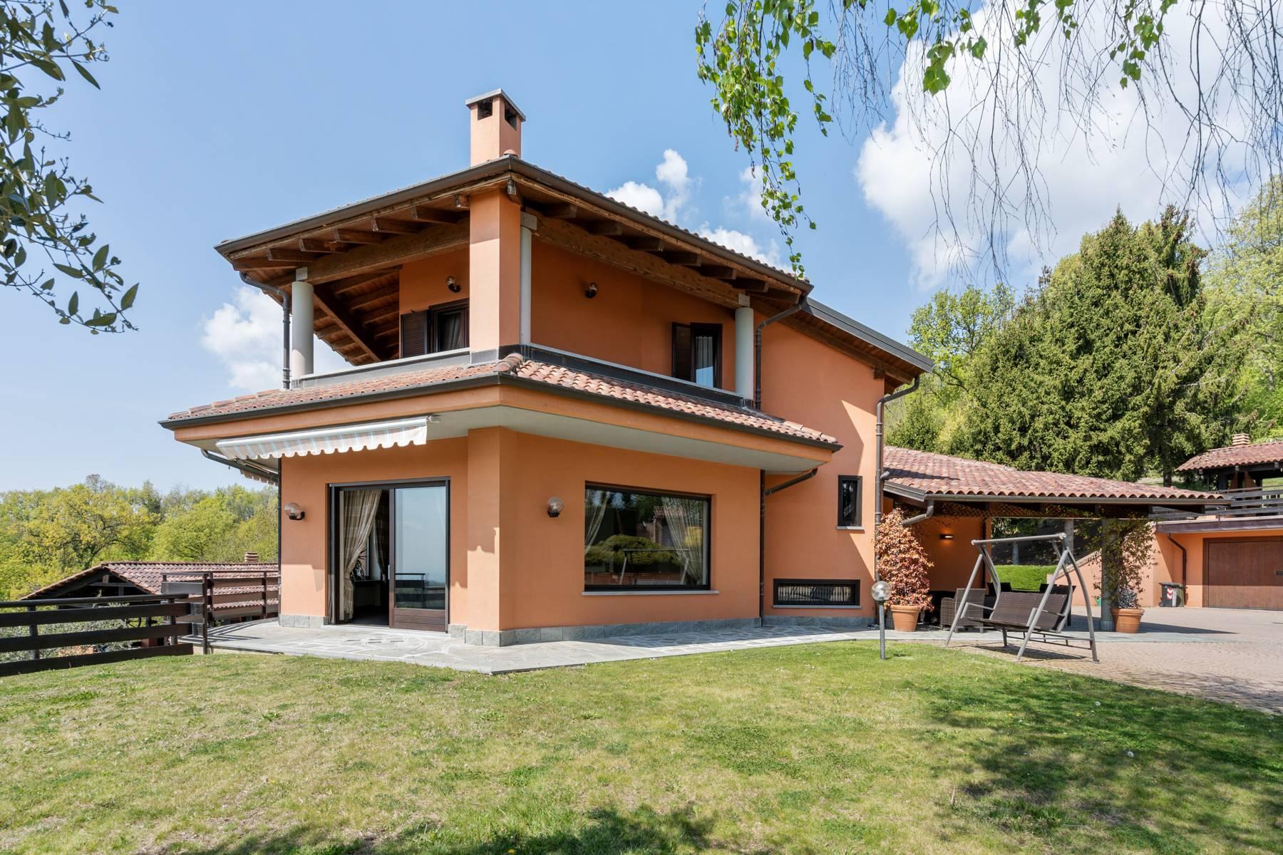 Villa moderna con giardino privato e piscina - 1