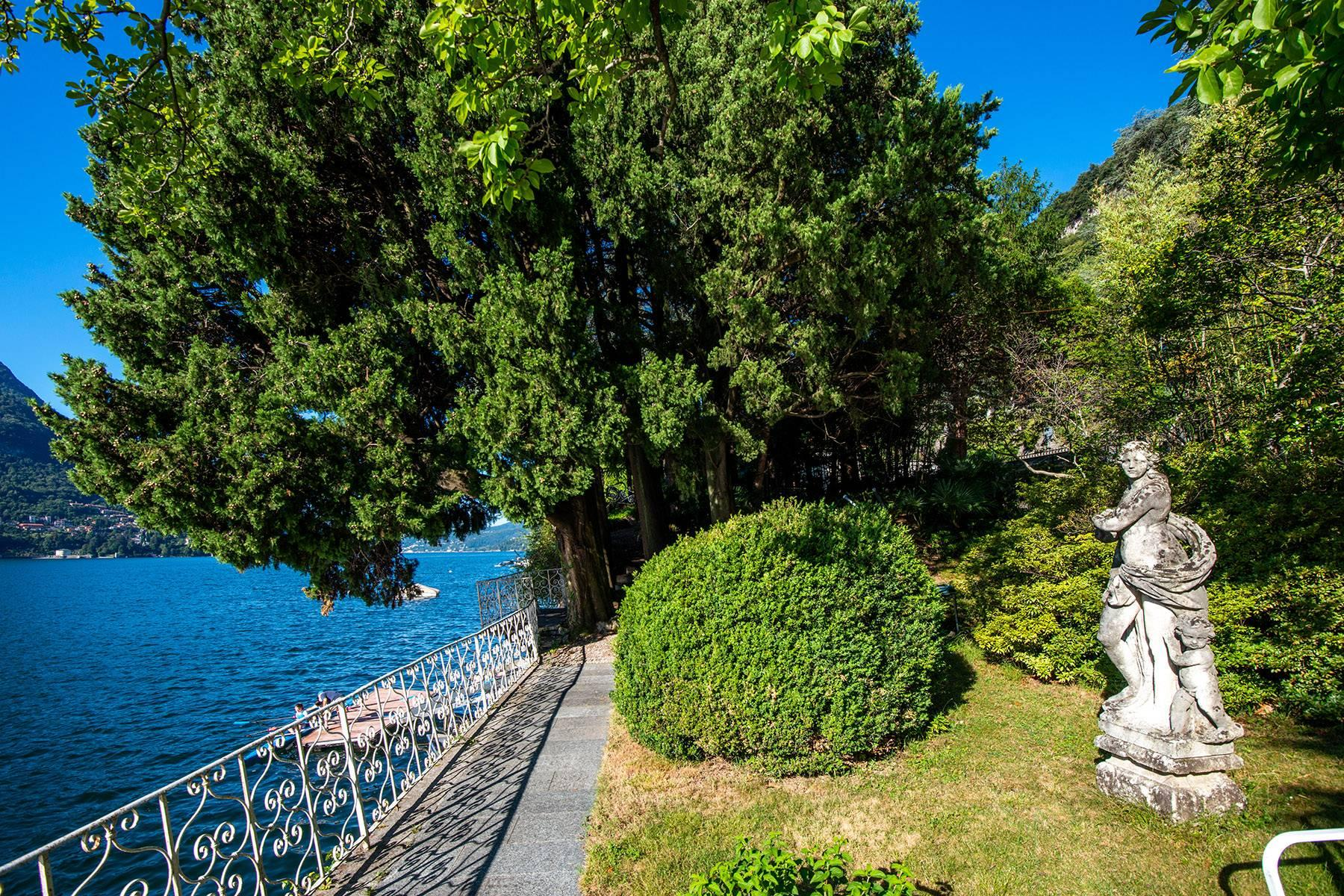 One-of-a-kind, pieds-dans-l'eau villa in Carate Urio - 32
