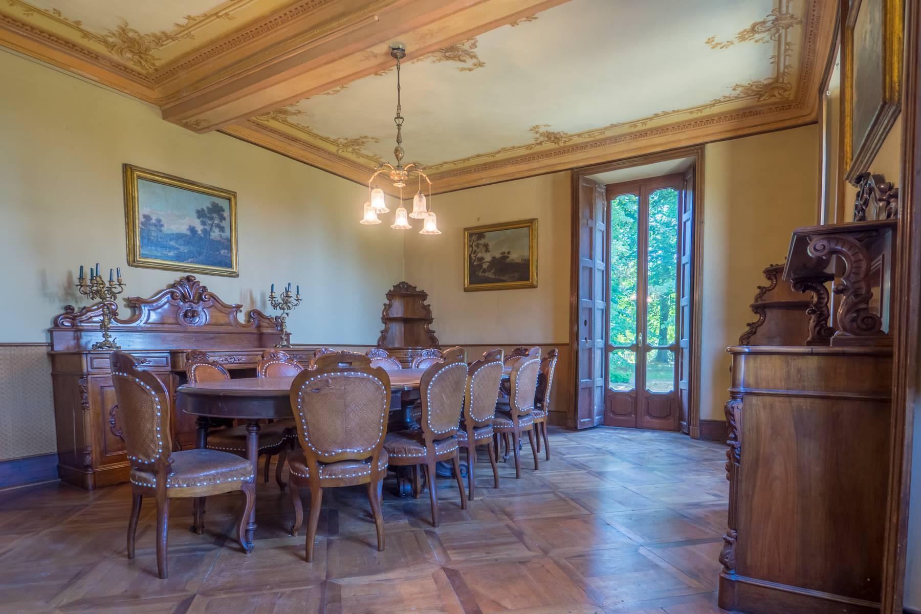 Elegante Historische Villa mitten im Grünen - 2