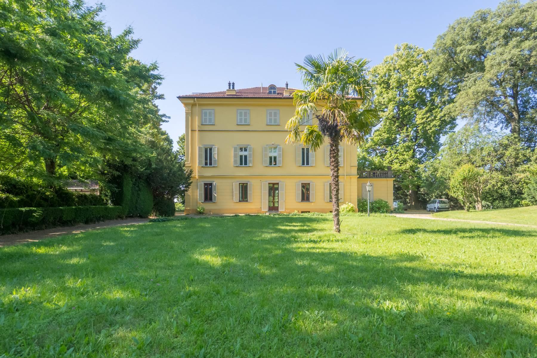Splendida villa storica immersa nel verde - 13