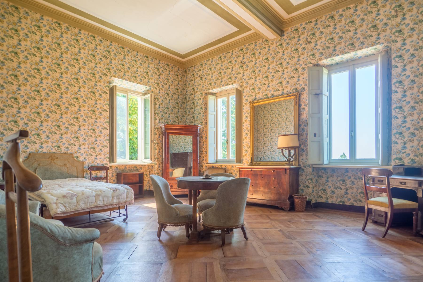 Elegante Historische Villa mitten im Grünen - 5