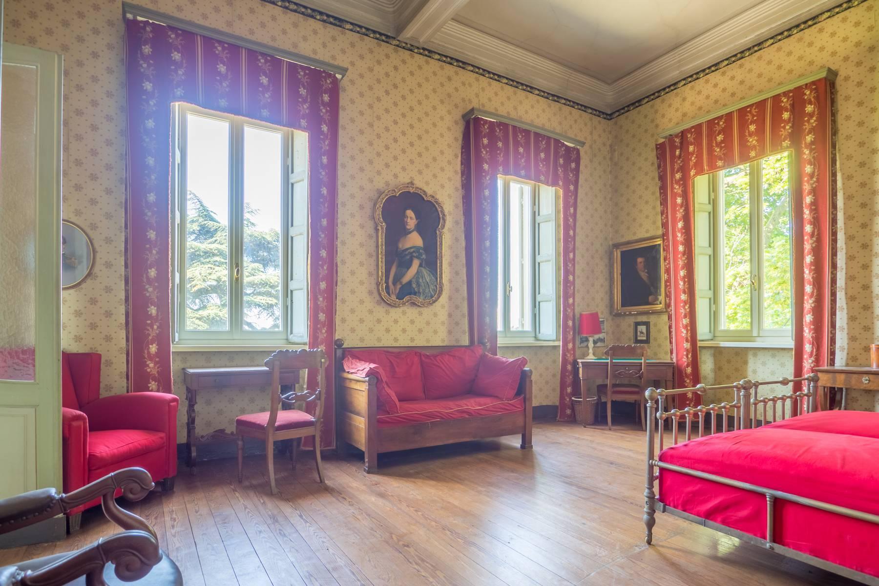 Elegante Historische Villa mitten im Grünen - 4