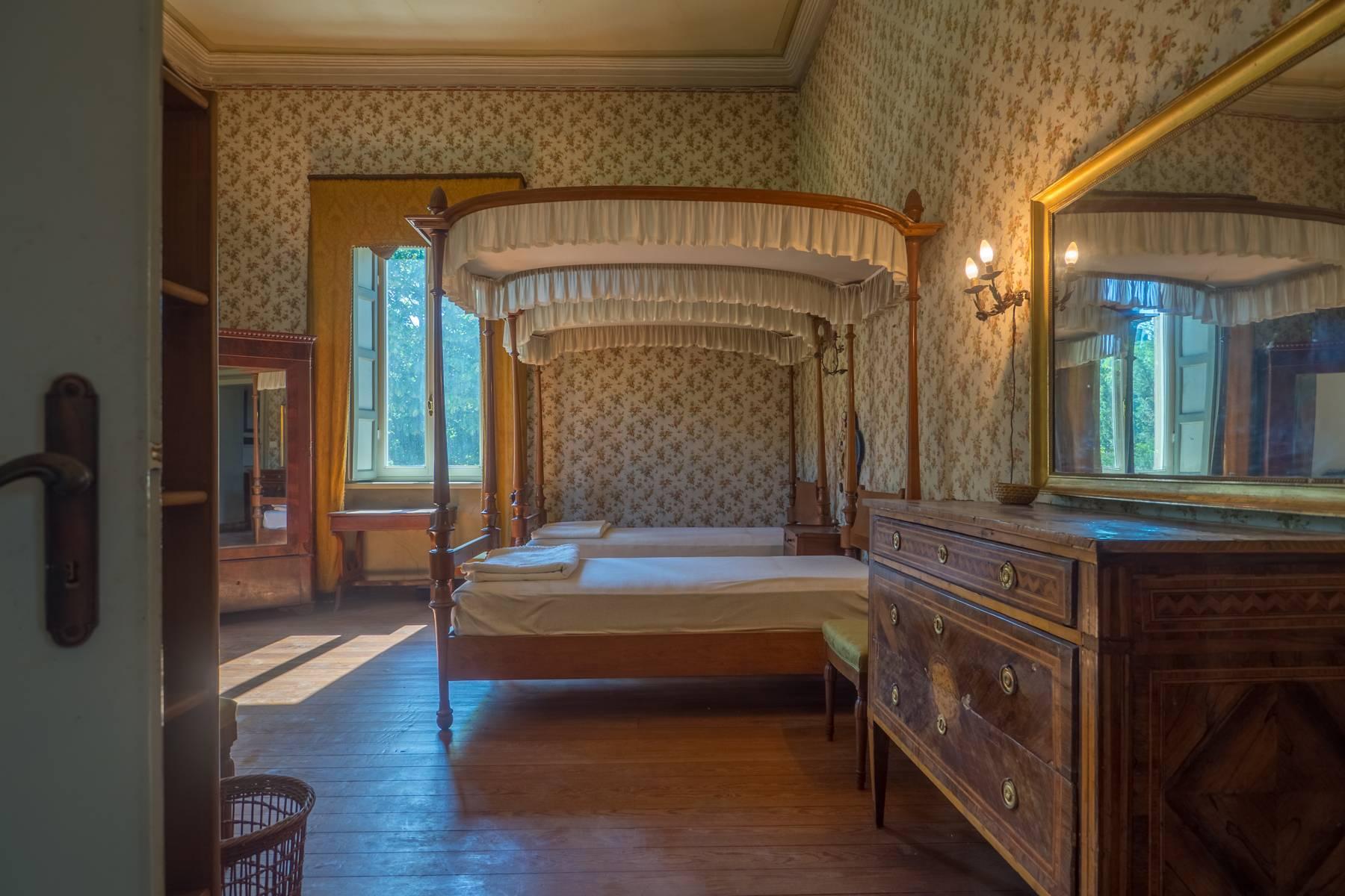 Elegante Historische Villa mitten im Grünen - 7