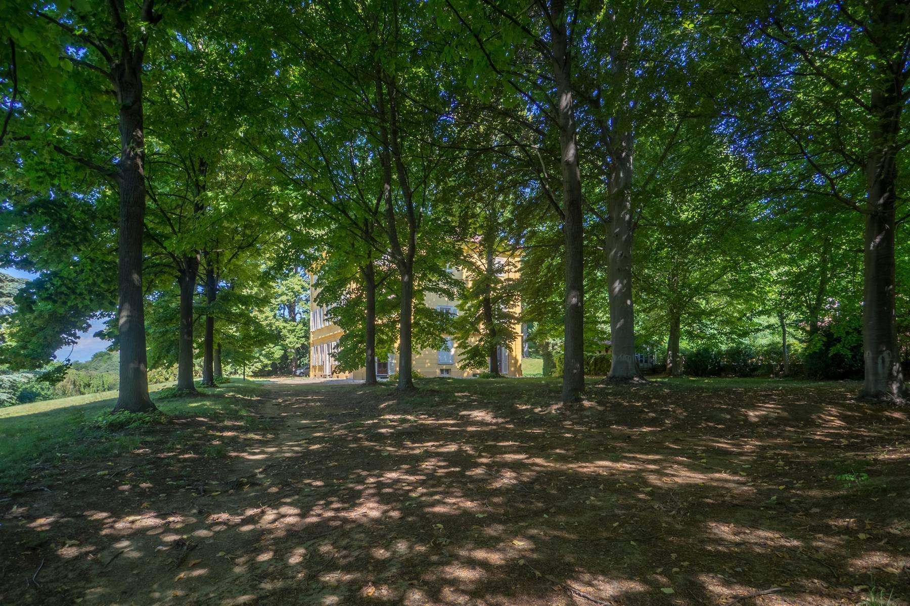 Splendida villa storica immersa nel verde - 16