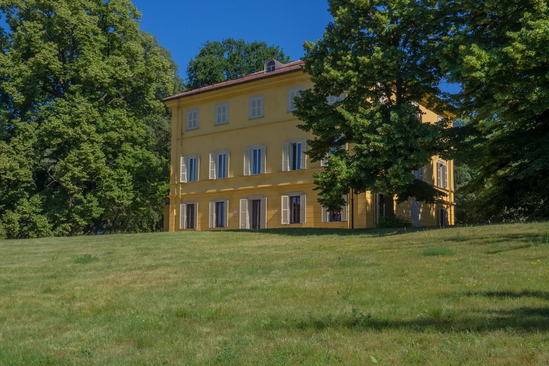 Elegante Historische Villa mitten im Grünen - 1