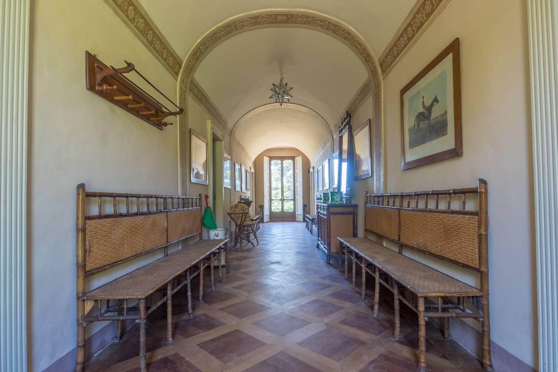 Splendida villa storica immersa nel verde - 9