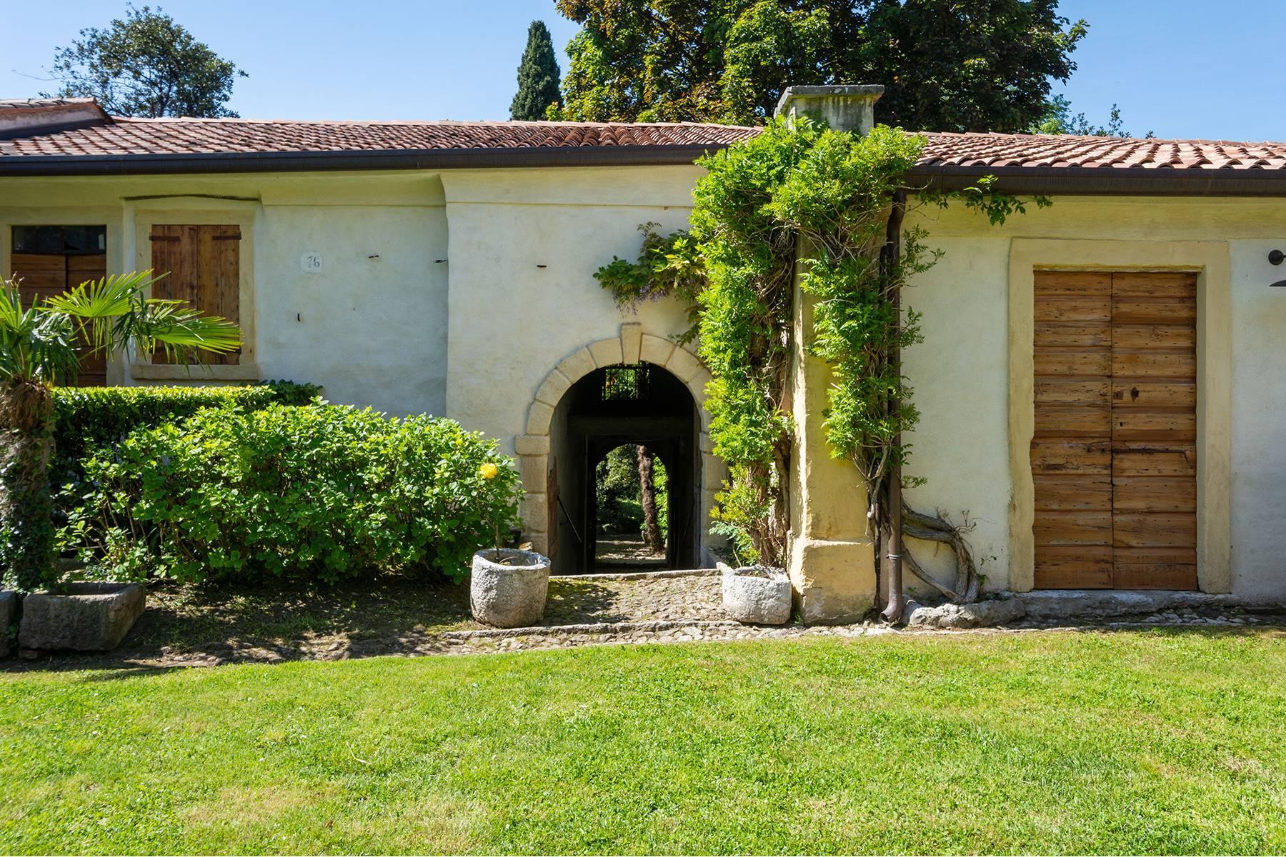 Historische Villa mit Park und prächtigem alten Keller, umgeben von Weinbergen - 30