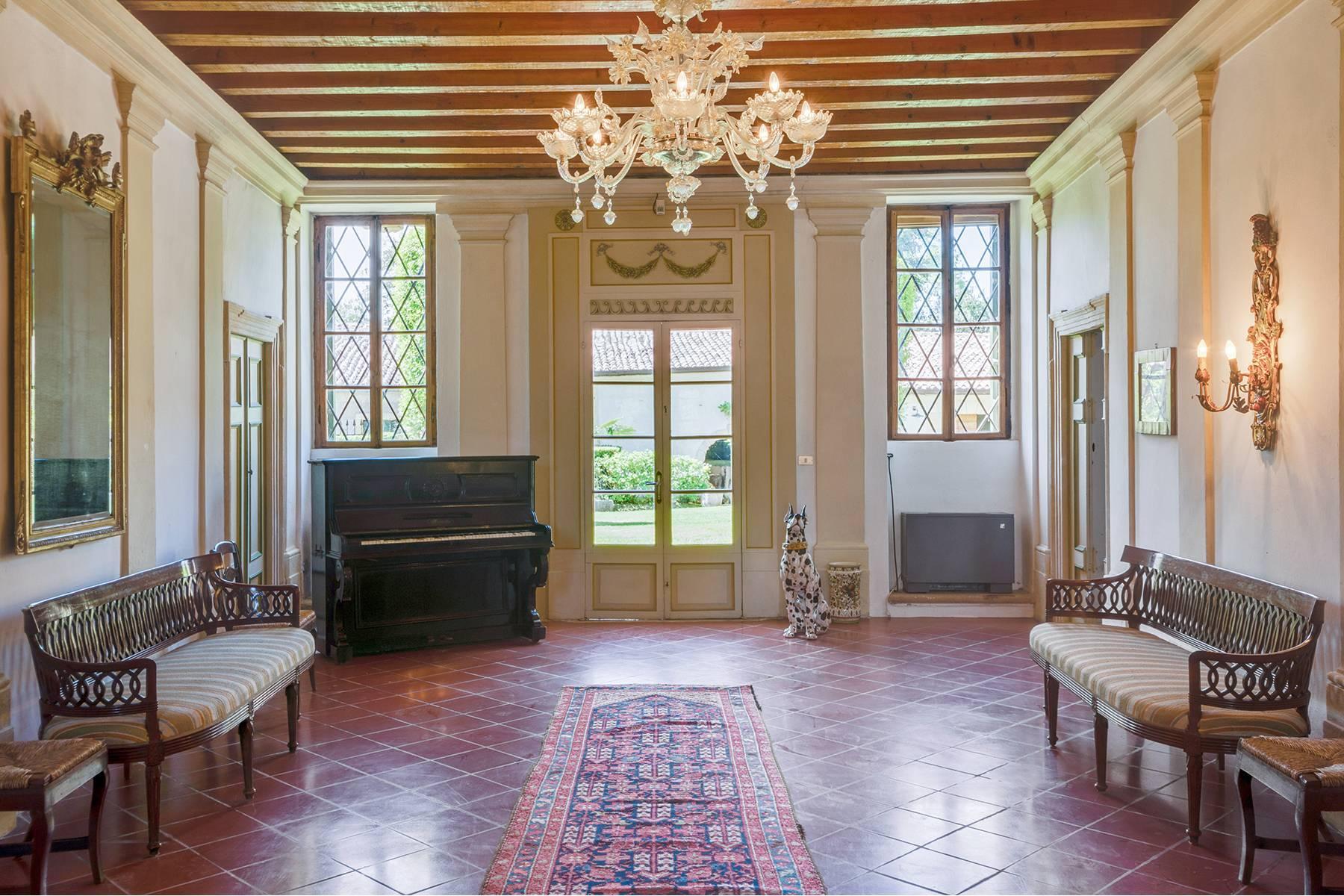 Historische Villa mit Park und prächtigem alten Keller, umgeben von Weinbergen - 13
