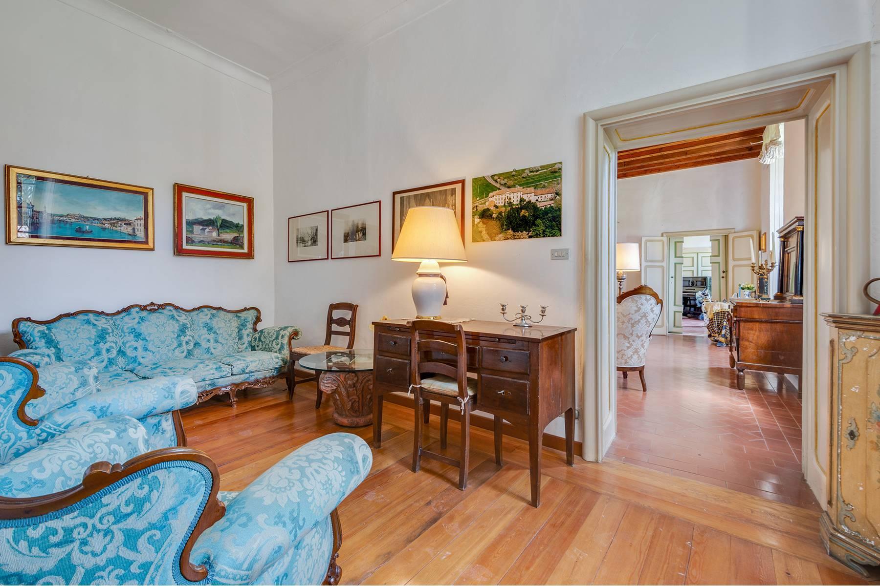 Historische Villa mit Park und prächtigem alten Keller, umgeben von Weinbergen - 16