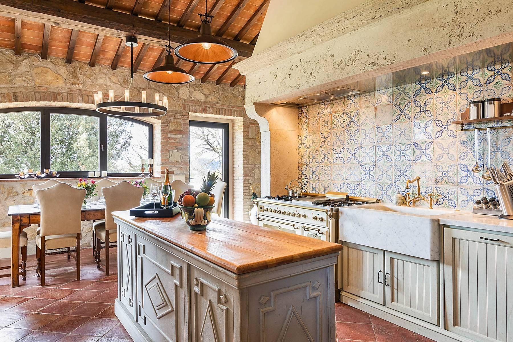 Wonderful farmhouse in an exclusive position - 23
