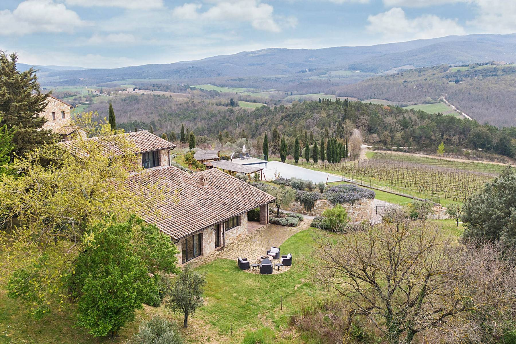 Wonderful farmhouse in an exclusive position - 3