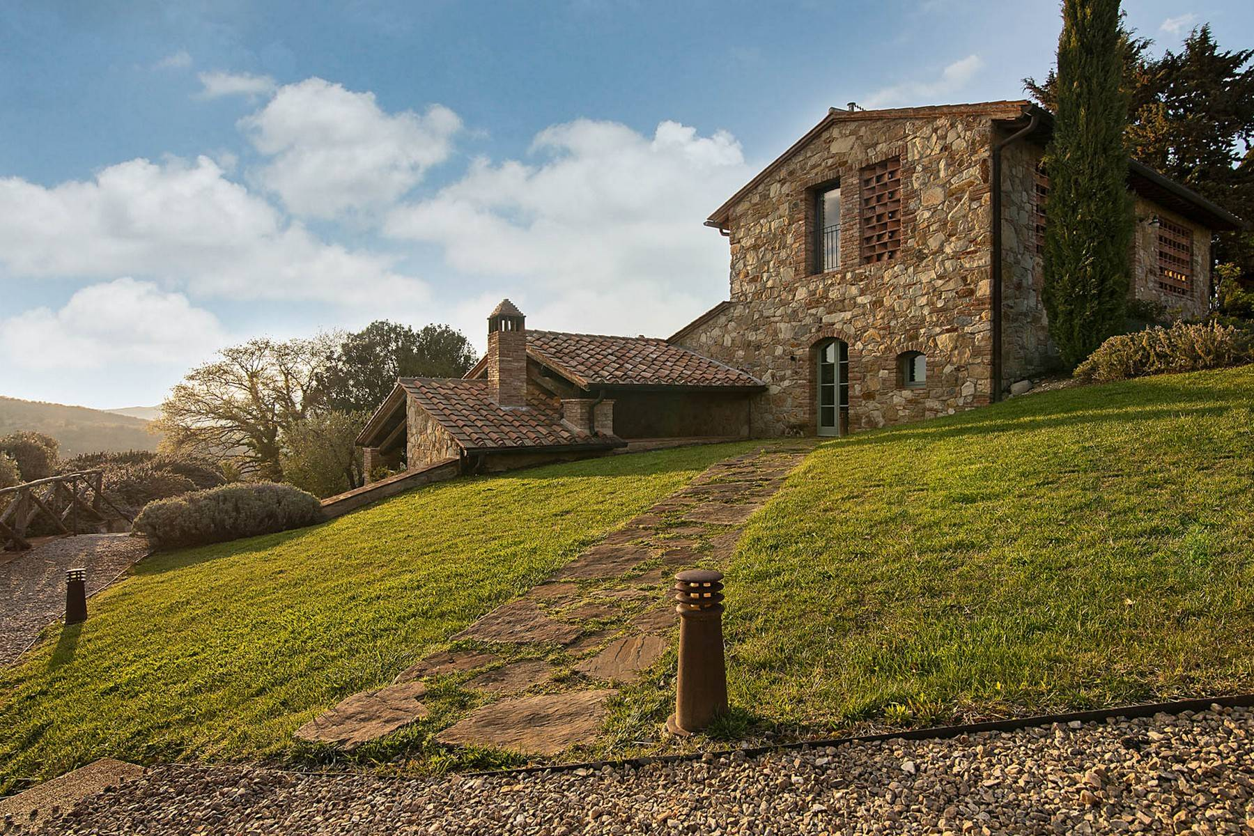Wonderful farmhouse in an exclusive position - 36