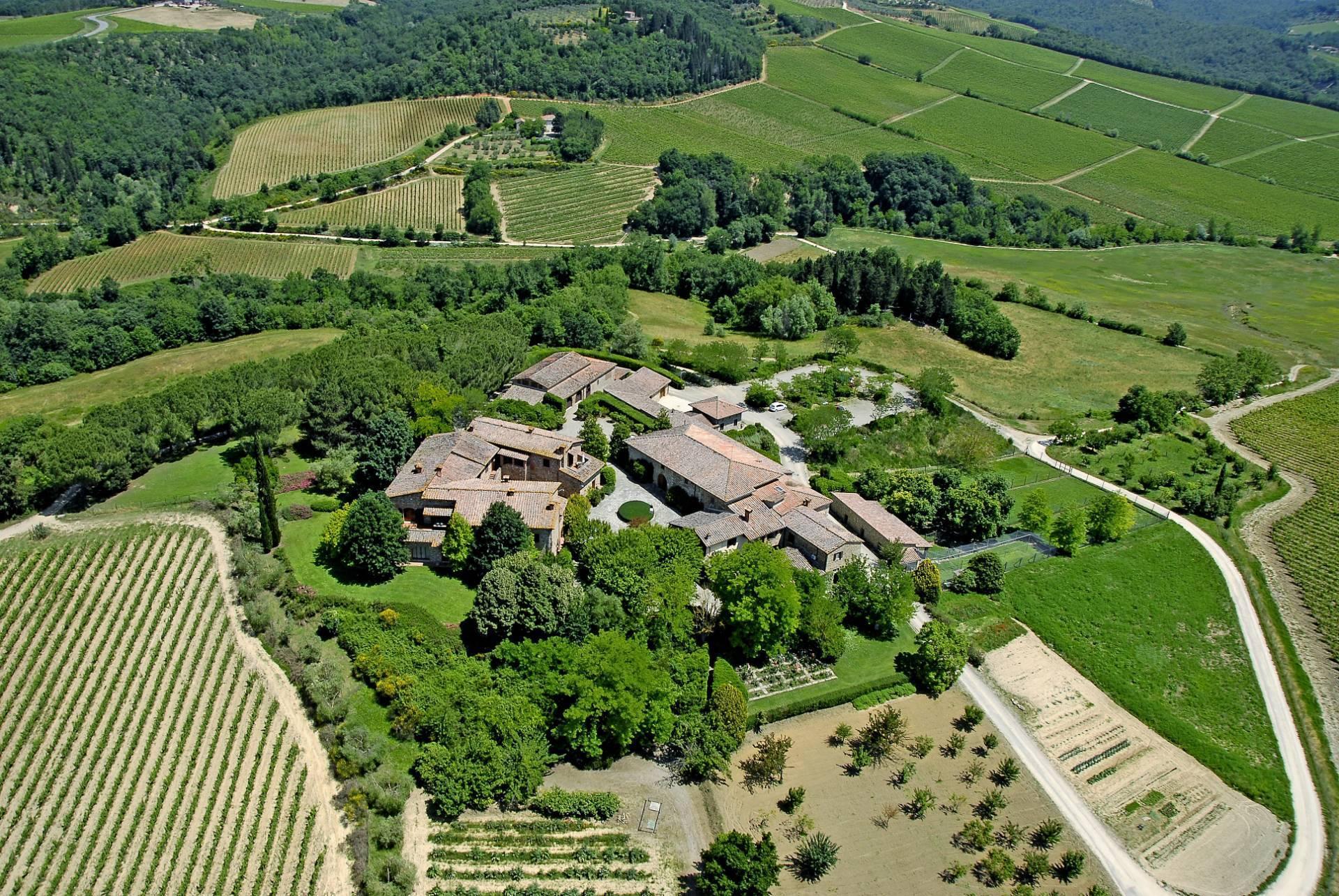Esclusive wine estate in the heart of Chianti classico - 1