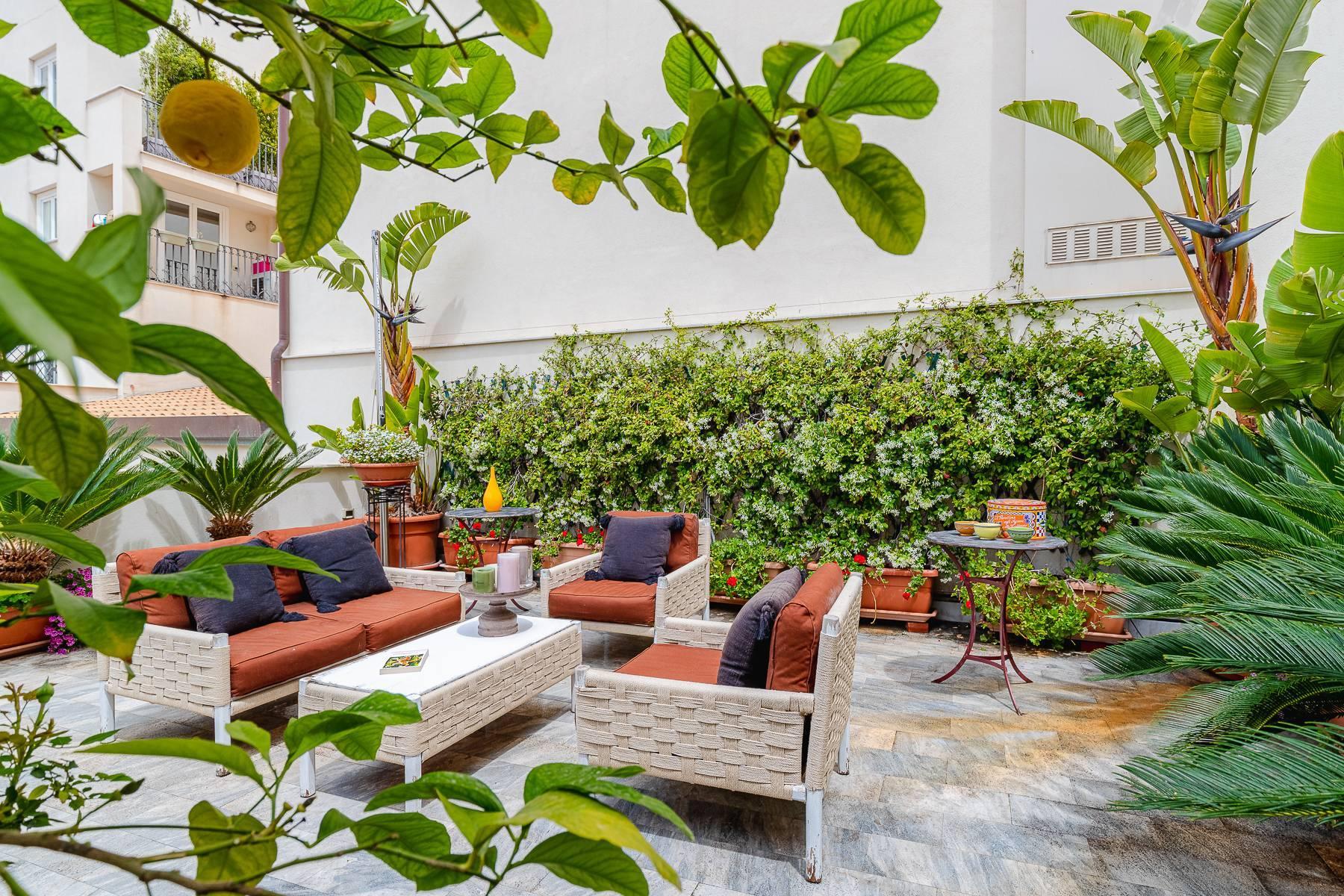 Estroso appartamento con terrazza in centro storico - 6