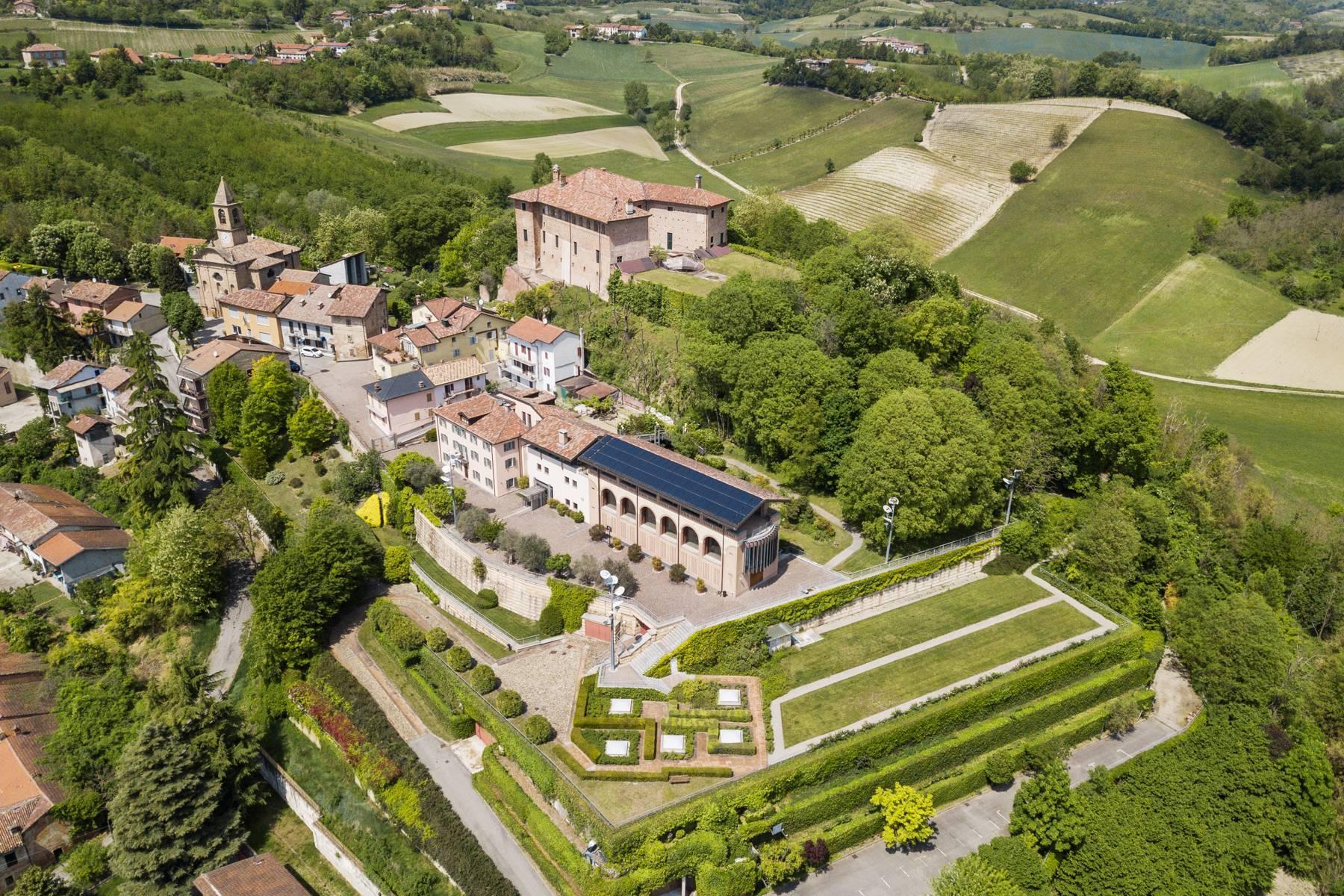 Prestigioso complesso immobiliare sulle colline del Monferrato - 1