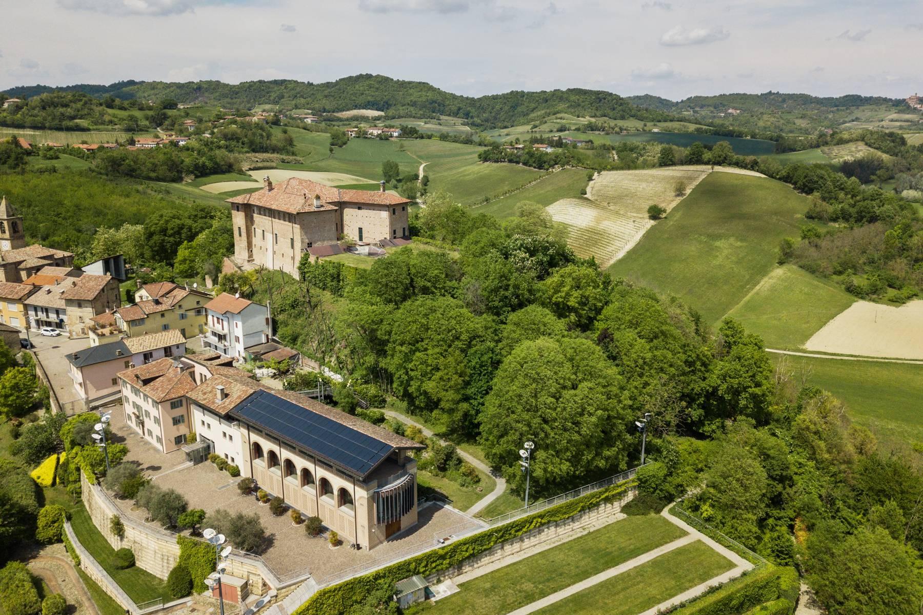 Prestigious real estate complex on the Monferrato hills - 8