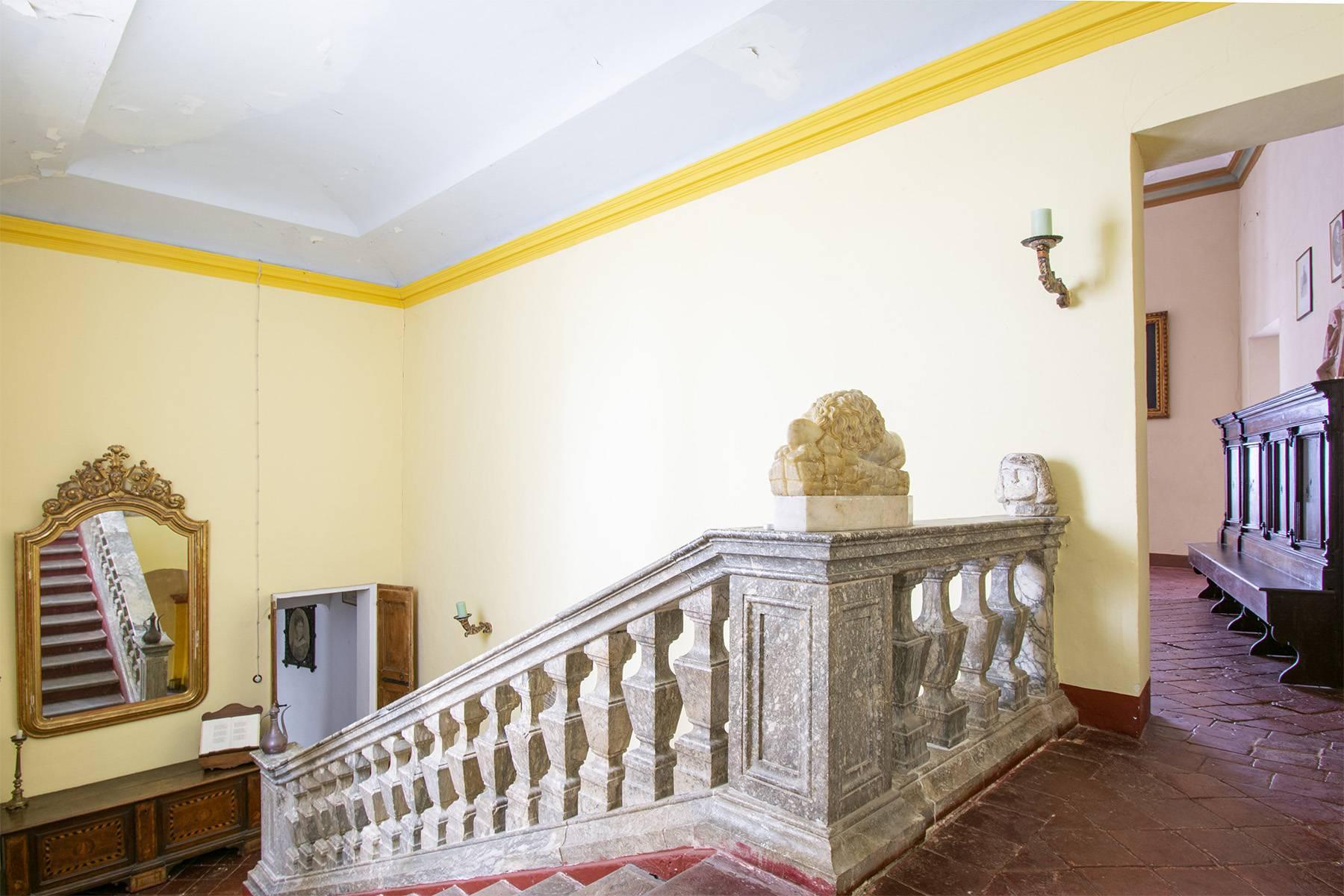 Magnifico castello del 1200 che domina l'antico villaggio di Monteleone - 22