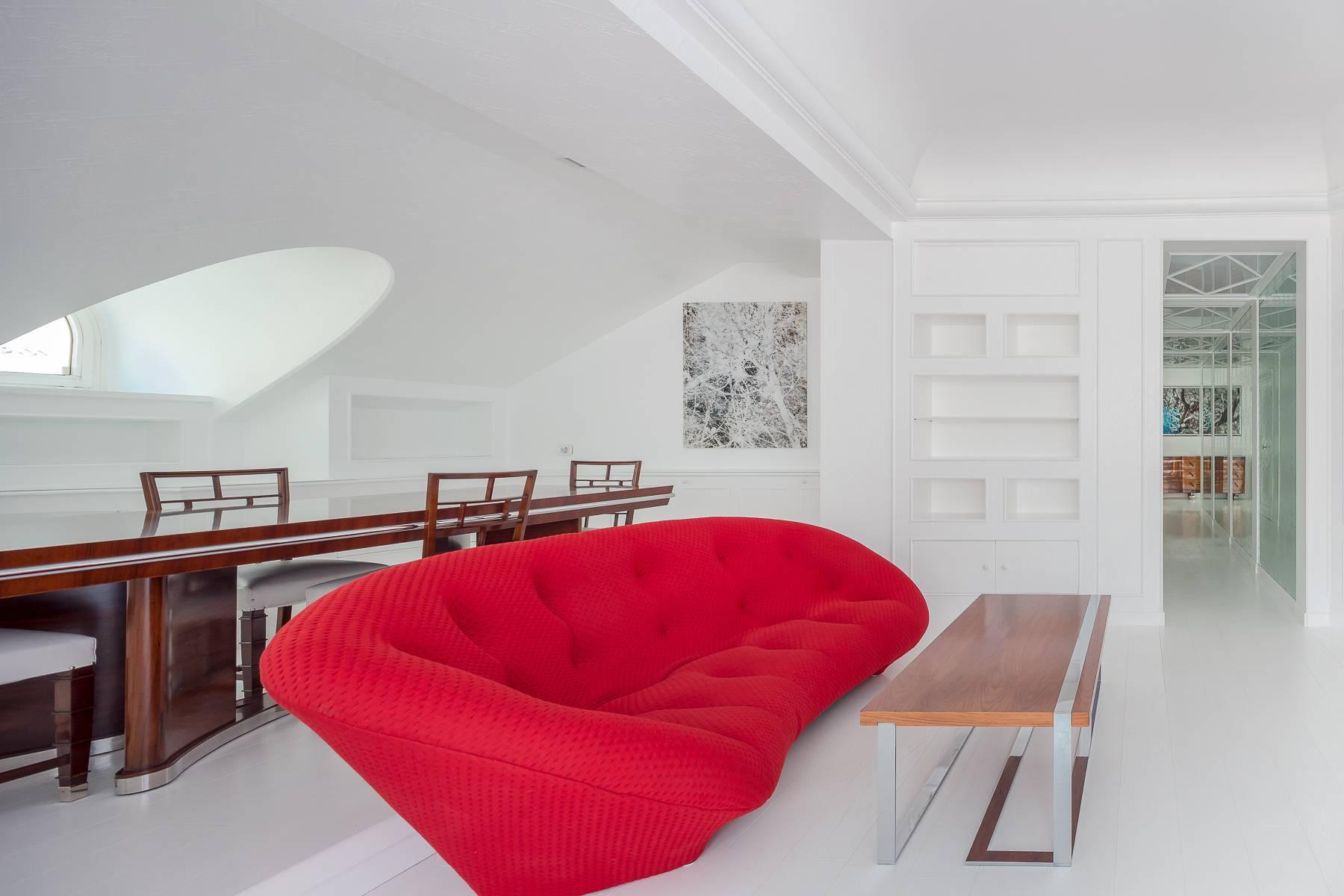 Top-floor apartment for rent in Via Tamburini - 13