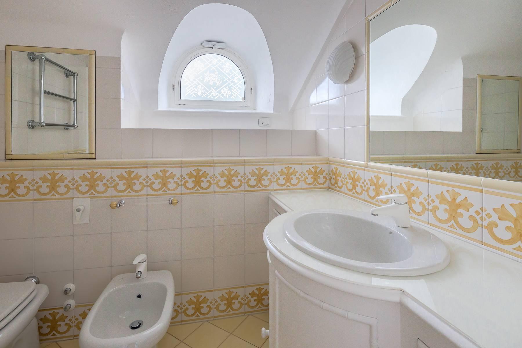 Top-floor apartment for rent in Via Tamburini - 20