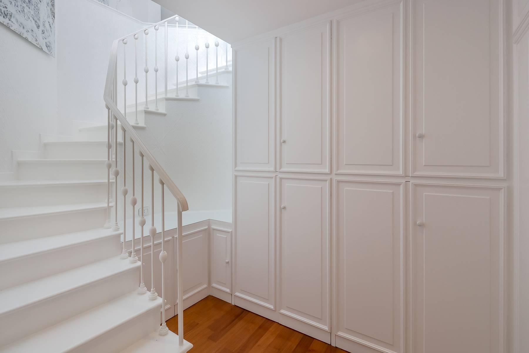 Top-floor apartment for rent in Via Tamburini - 21