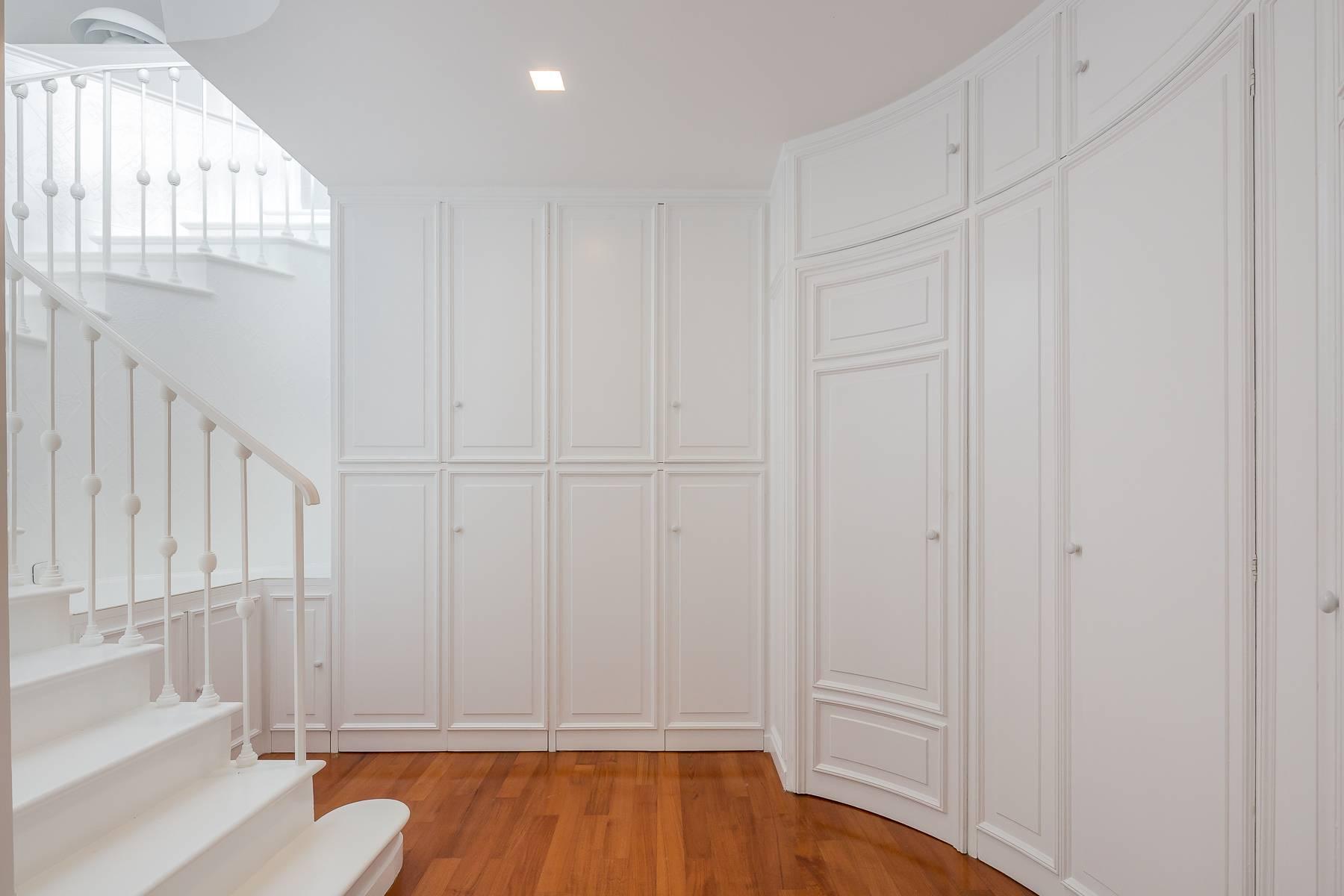 Top-floor apartment for rent in Via Tamburini - 24