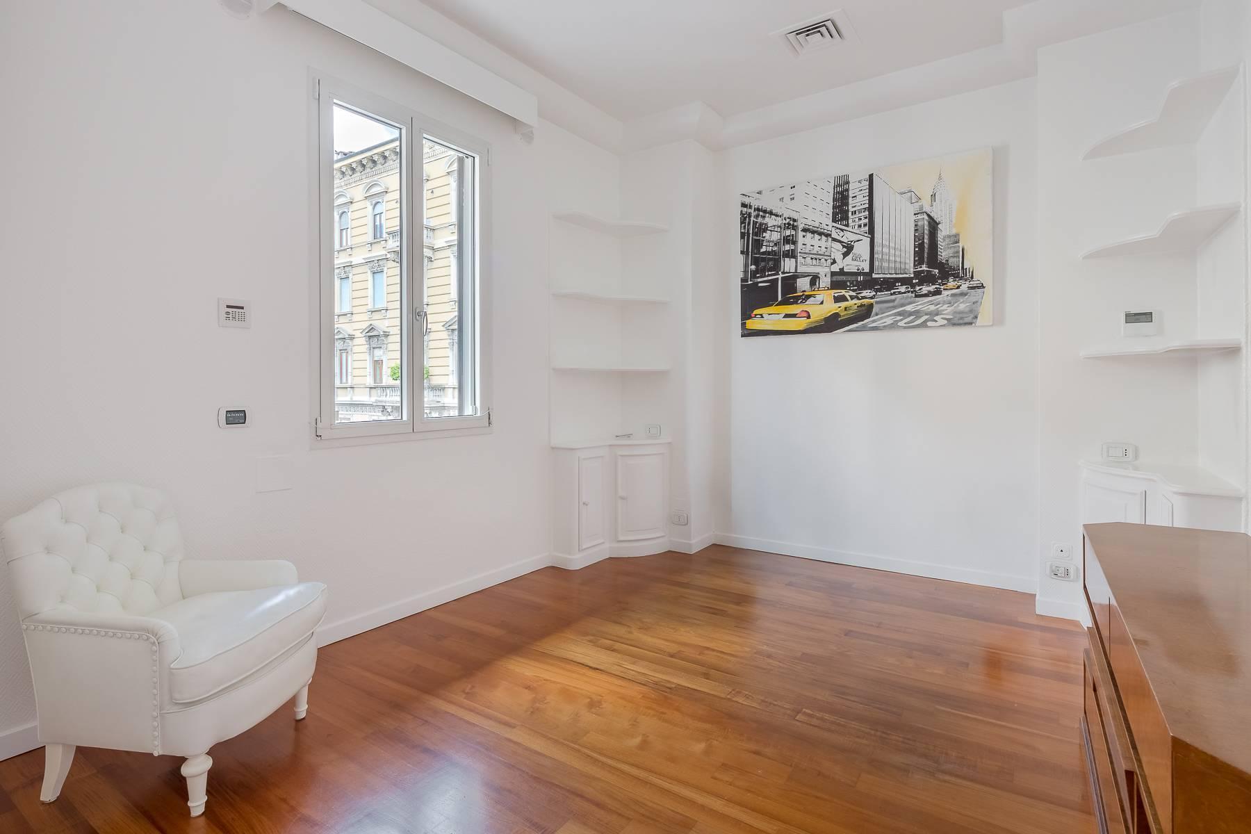 Top-floor apartment for rent in Via Tamburini - 25