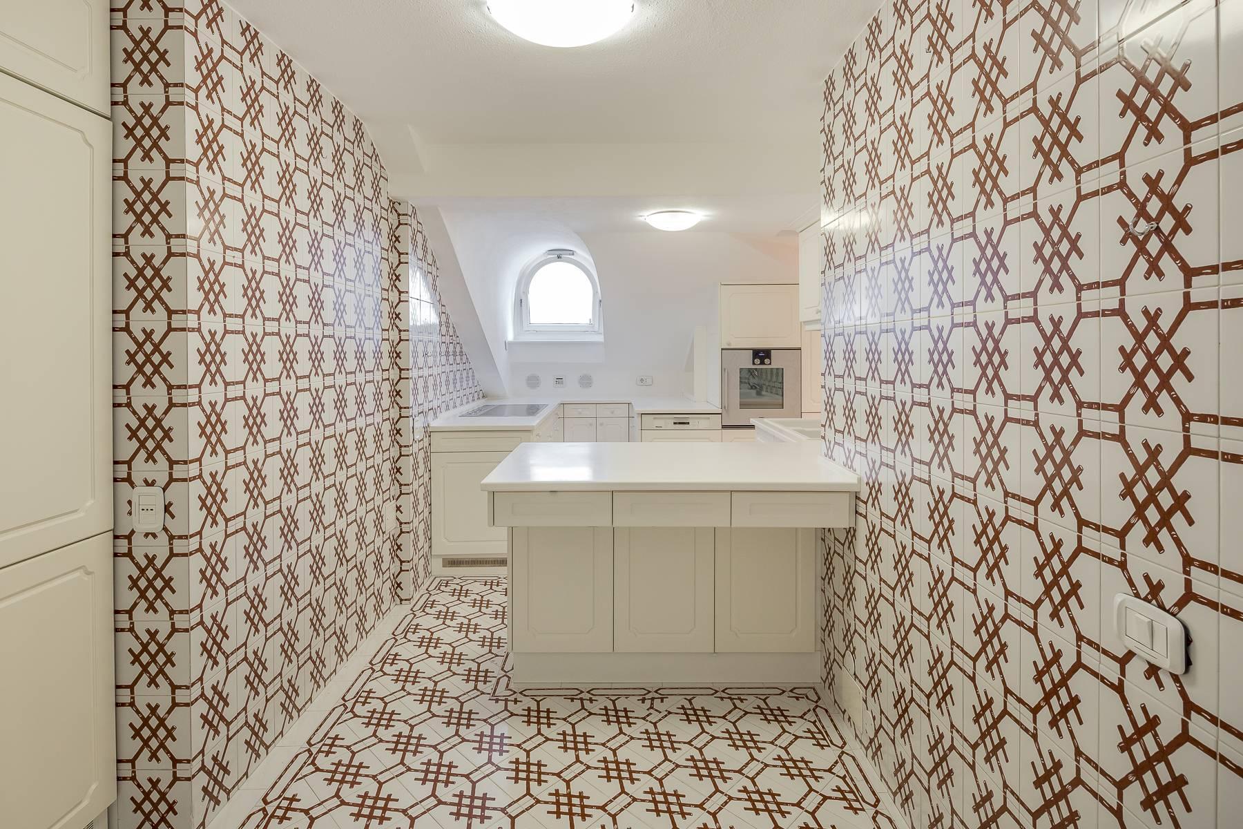 Top-floor apartment for rent in Via Tamburini - 26