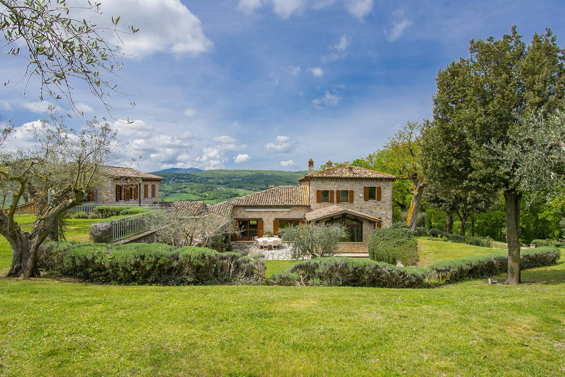 Unique luxury farmhouse in the heart of Umbria - 2