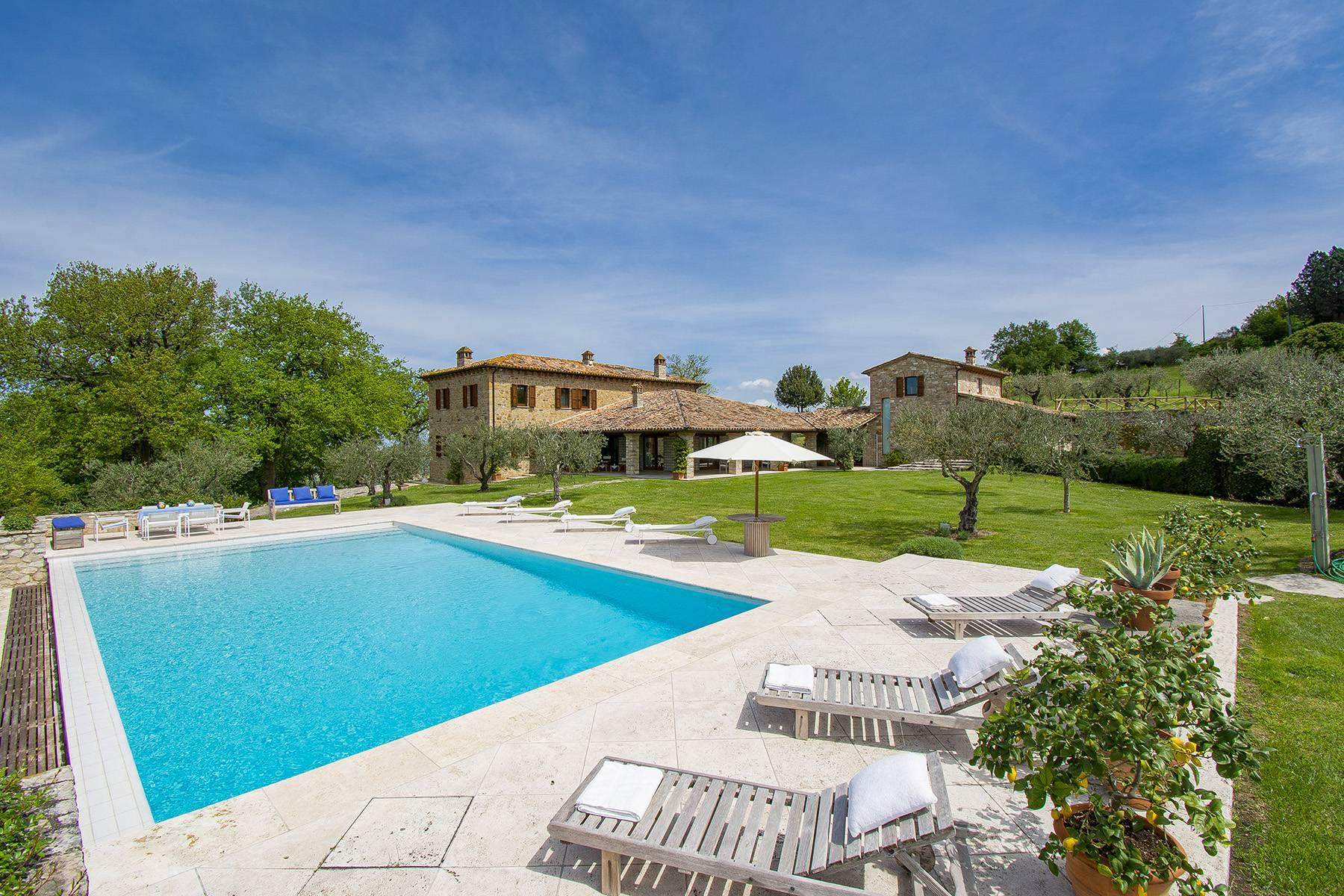 Unique luxury farmhouse in the heart of Umbria - 1