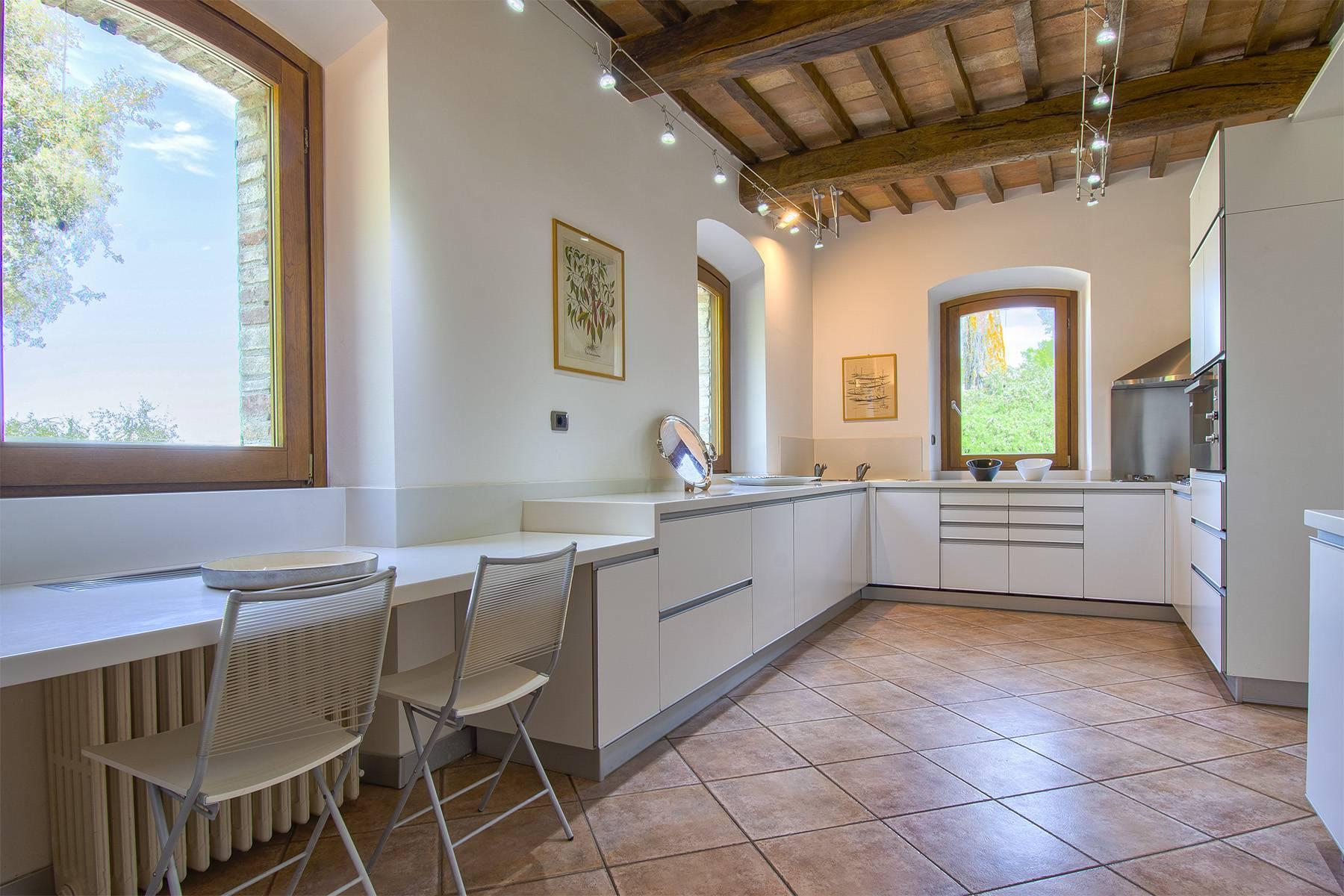 Meraviglioso casale con finiture di lusso a Todi - 13
