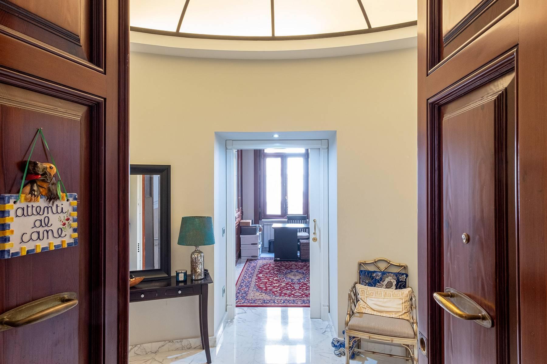 Luminoso appartamento in Viale Gramsci - 10