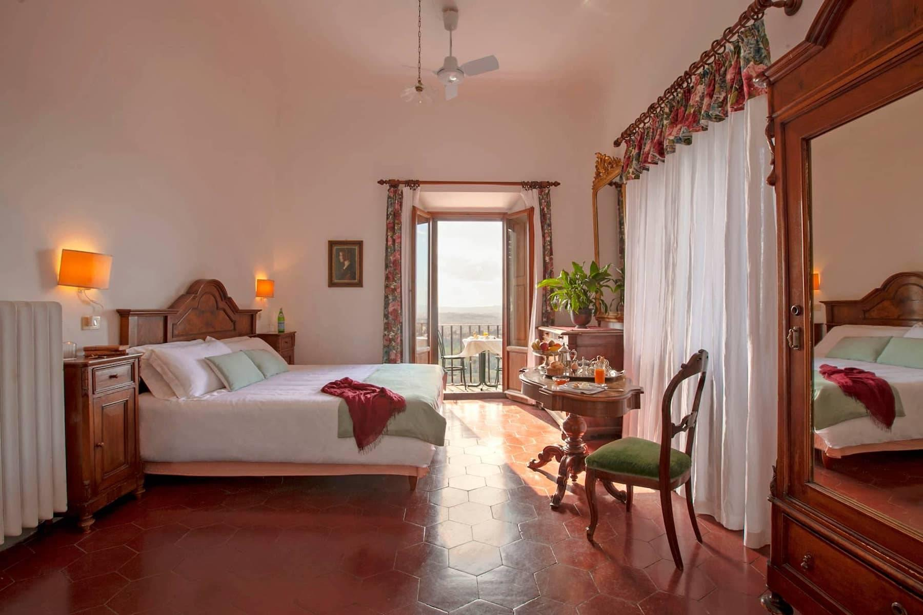 Large historic landmark mansion with the most stunning views over Florence - 12