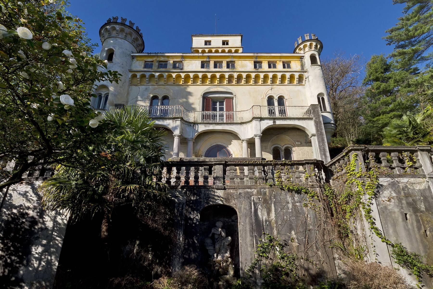 Prestigious castle for sale in Stresa - 2