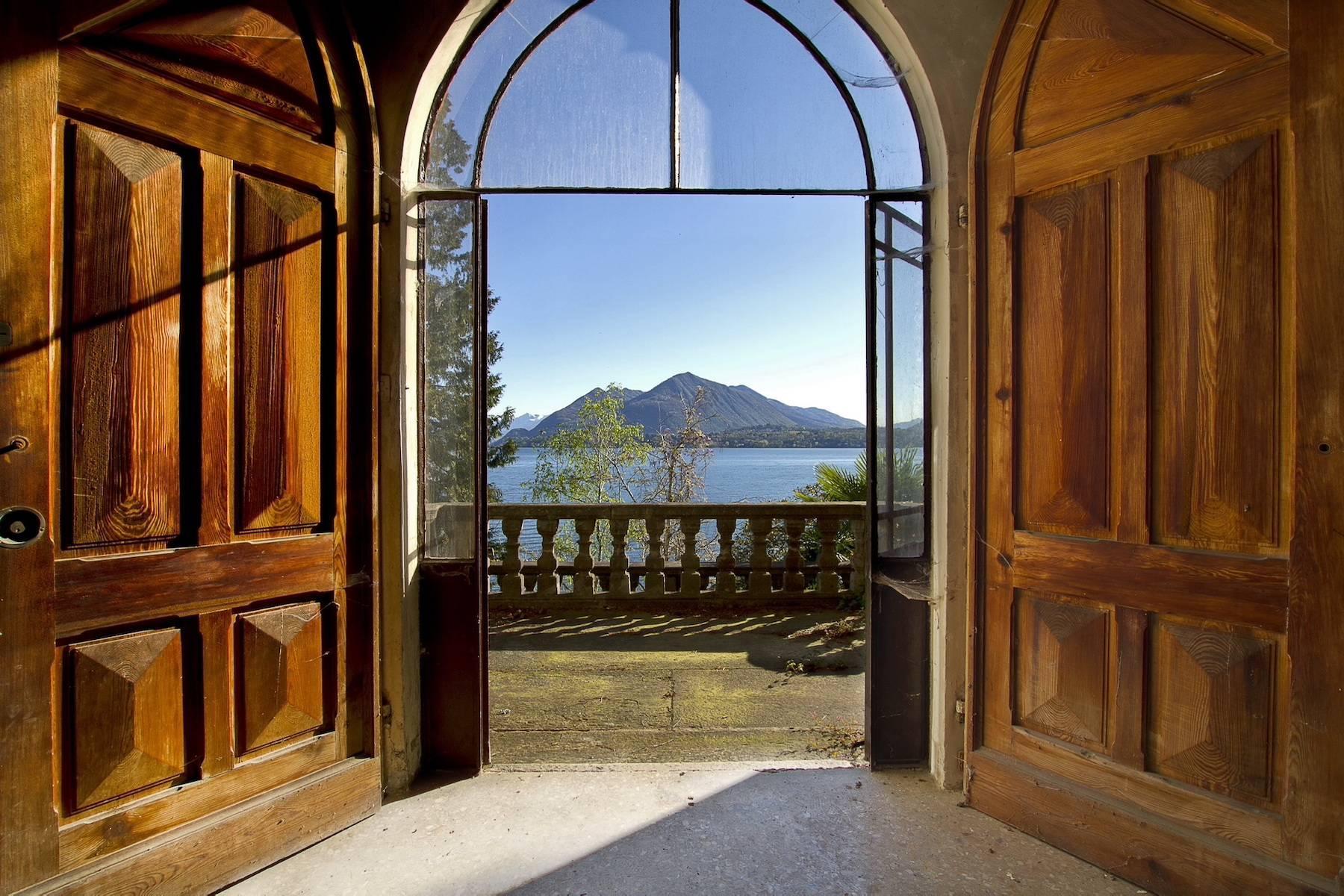 Prestigious castle for sale in Stresa - 8