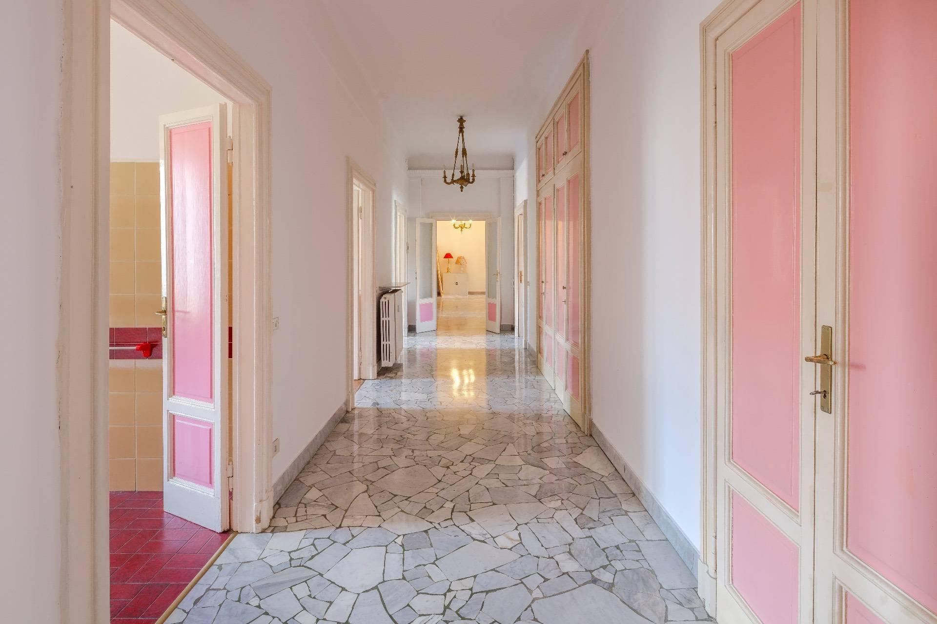 Elegant apartment in a prestigious building - 7