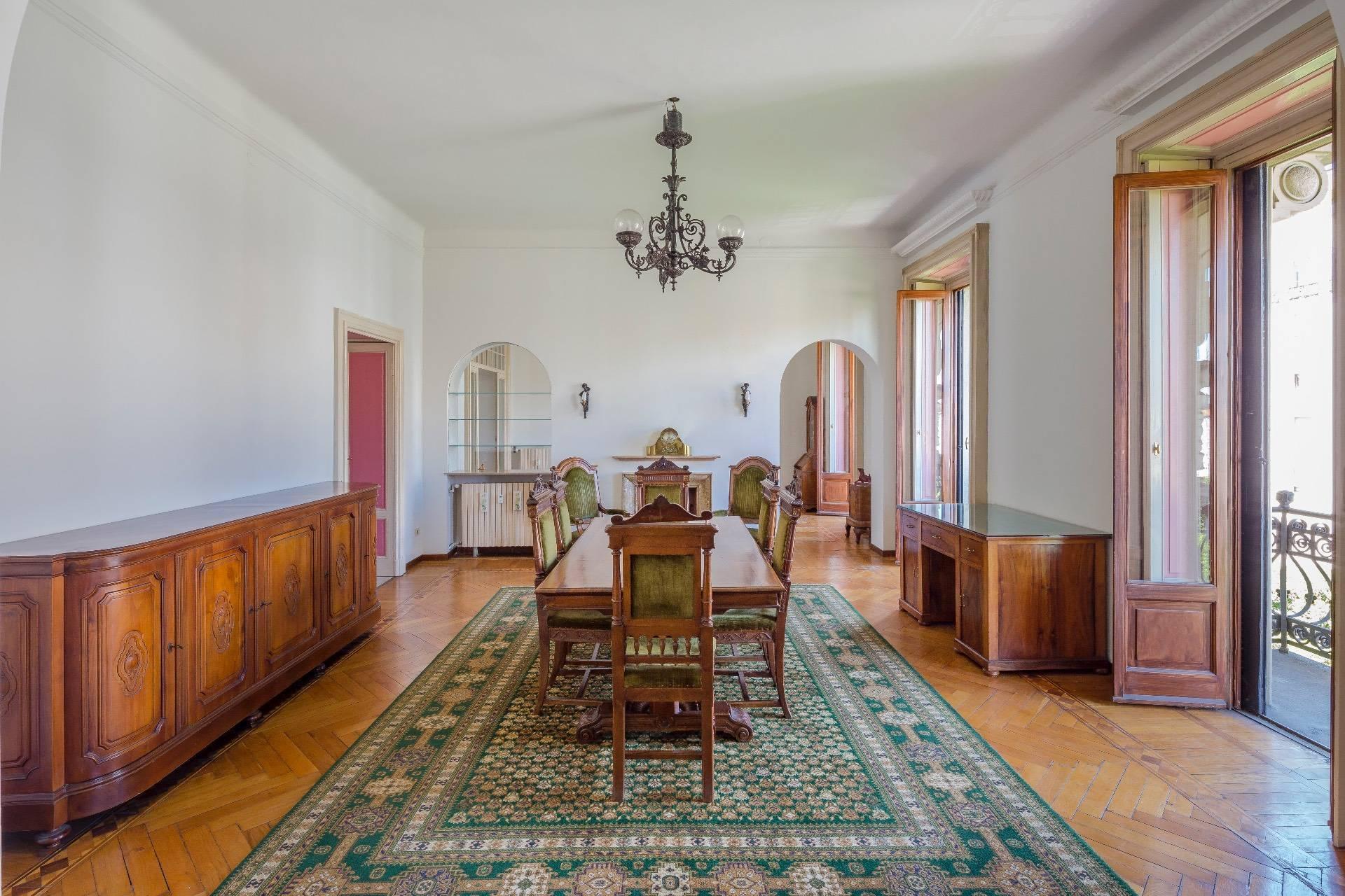 Elegant apartment in a prestigious building - 2