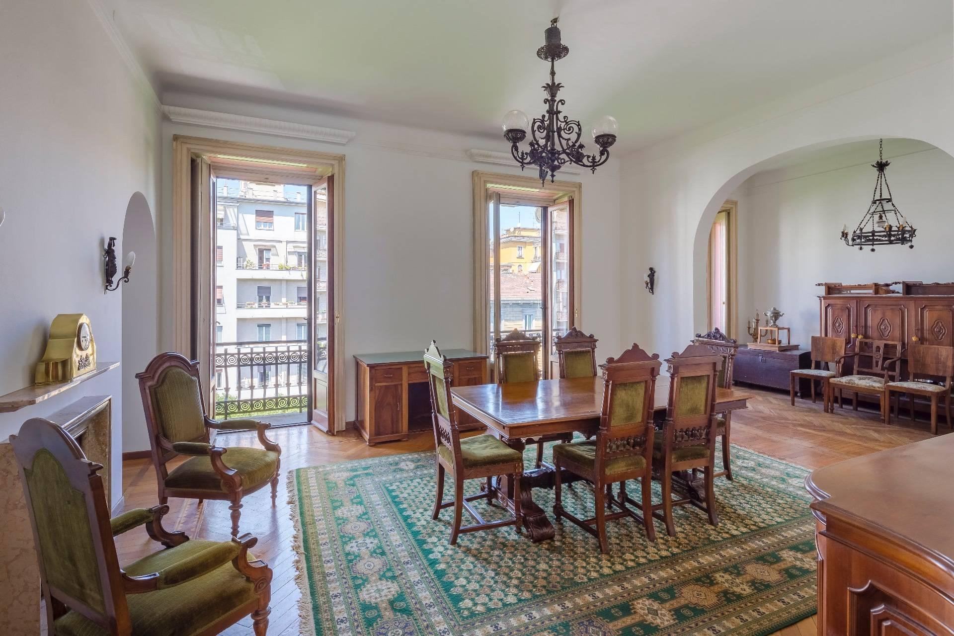 Elegant apartment in a prestigious building - 4