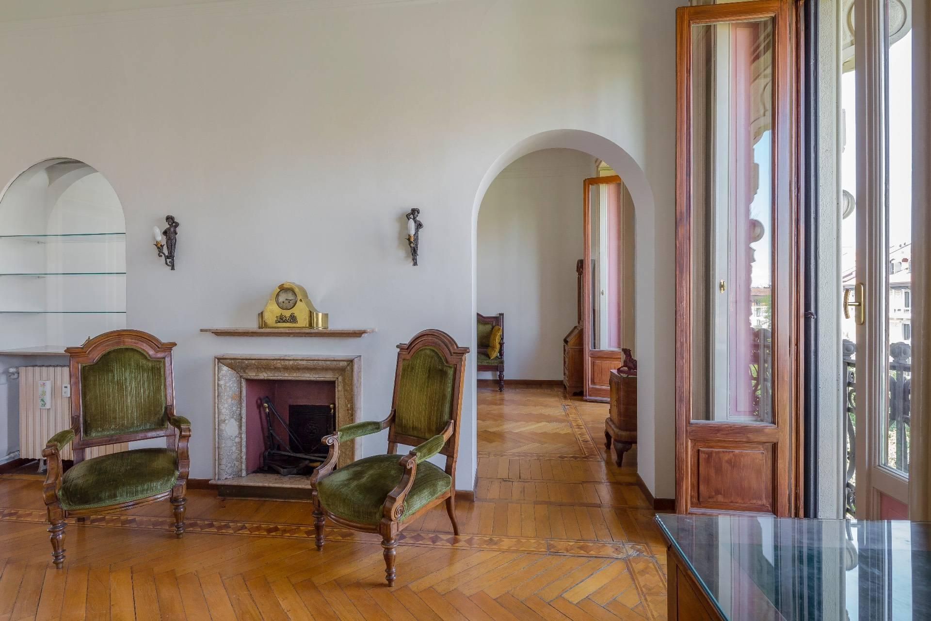 Elegant apartment in a prestigious building - 3