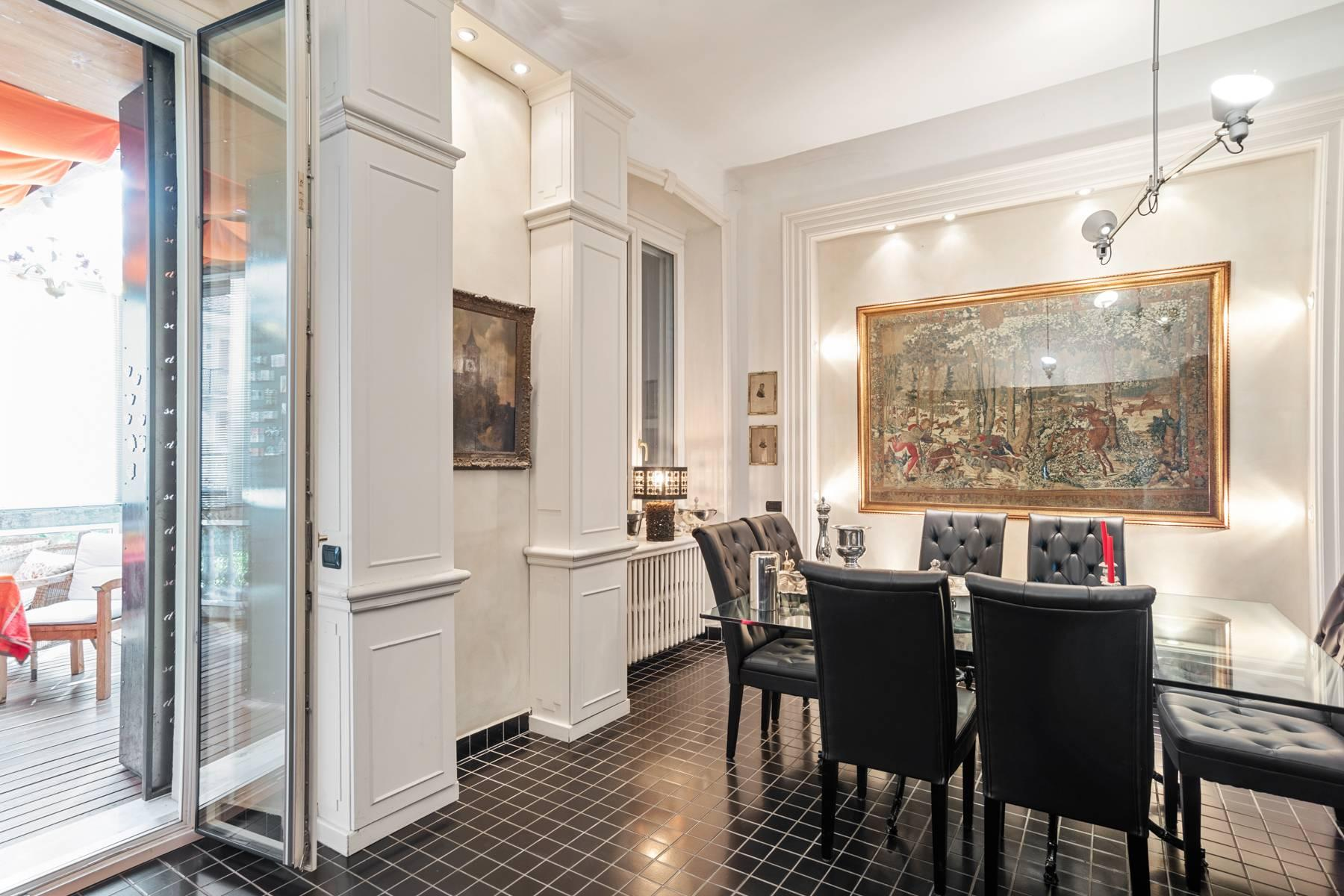 Prestigious apartment in a period building - 15
