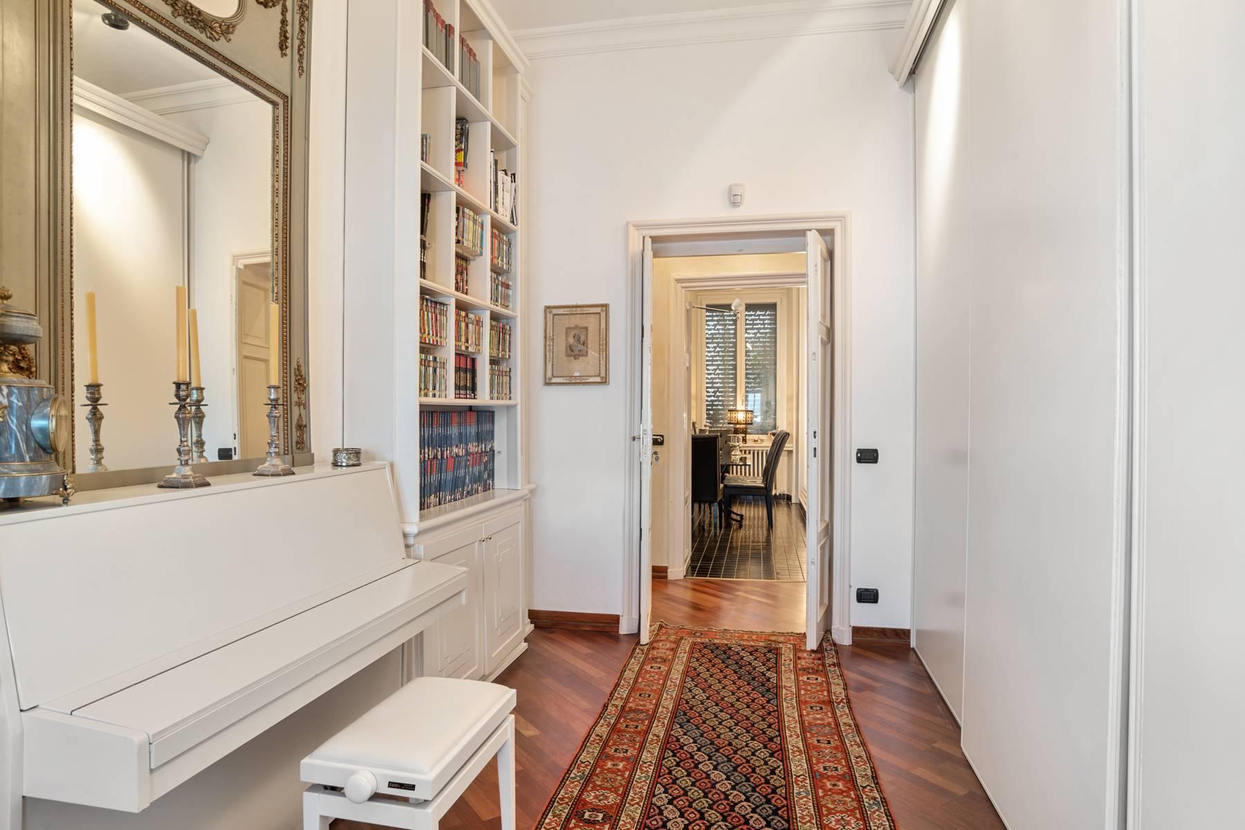 Prestigious apartment in a period building - 18
