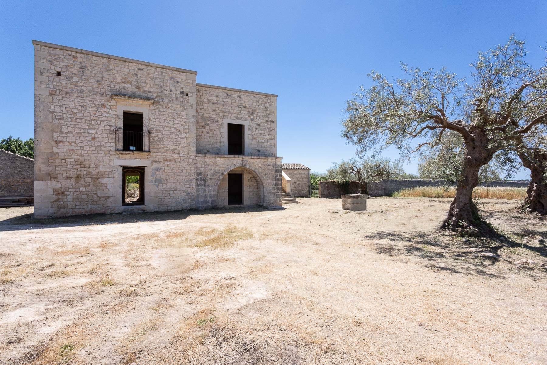 Casale ristrutturato nelle campagne di Modica - 13