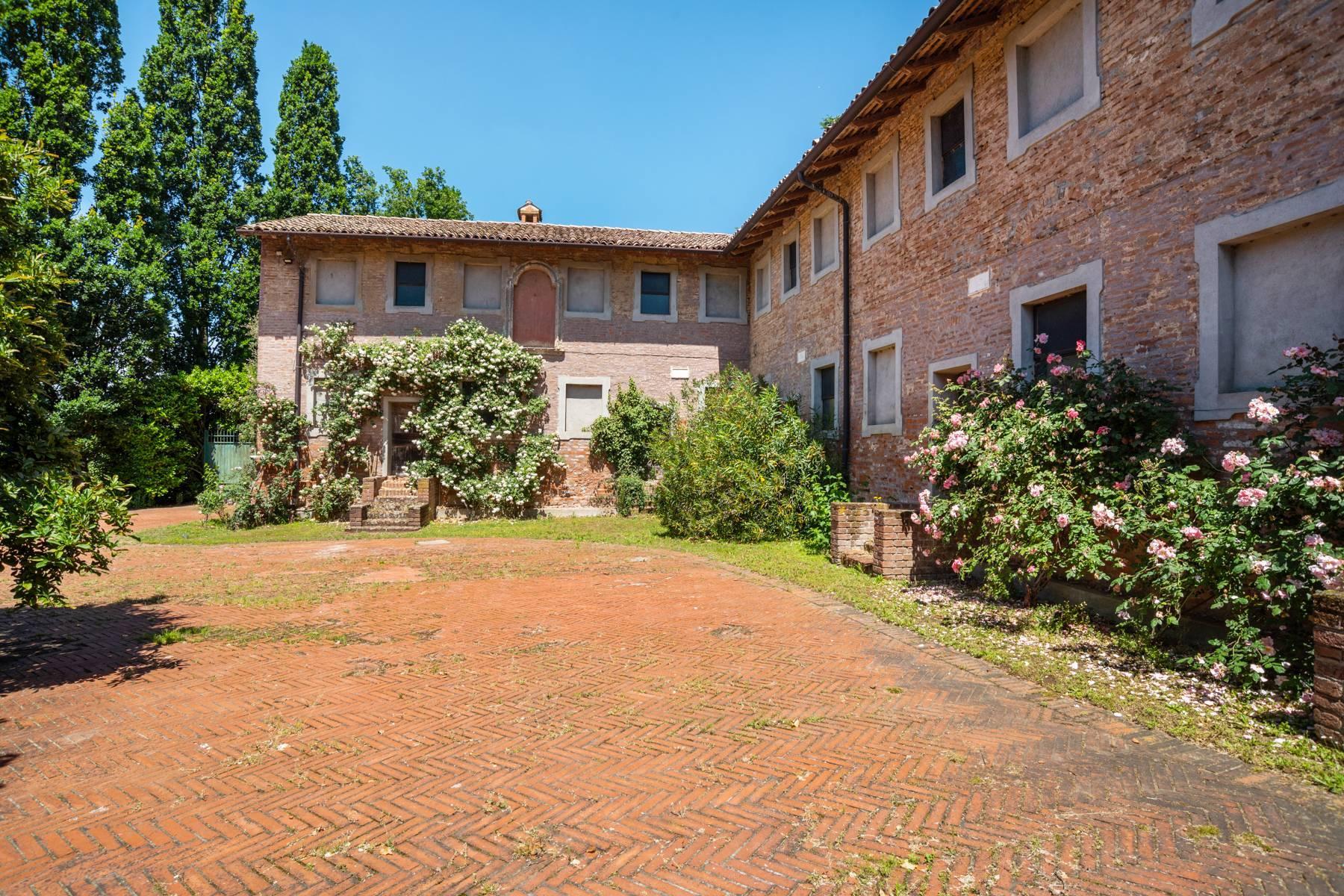 Magnifica proprietà immersa nel verde a Pavia - 9