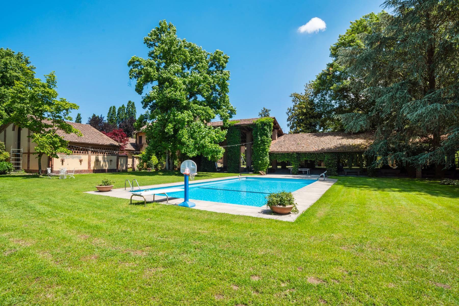 Magnifica proprietà immersa nel verde a Pavia - 12