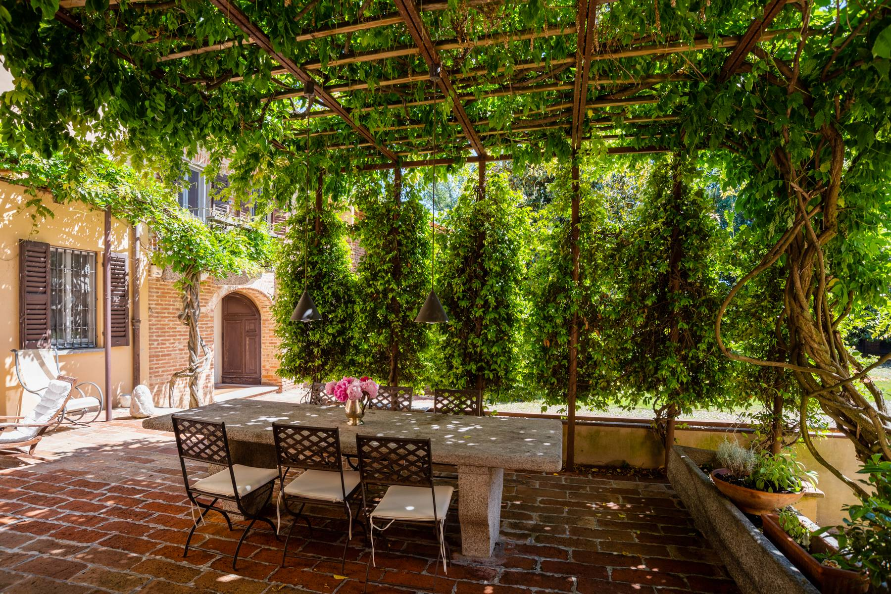 Magnifica proprietà immersa nel verde a Pavia - 3