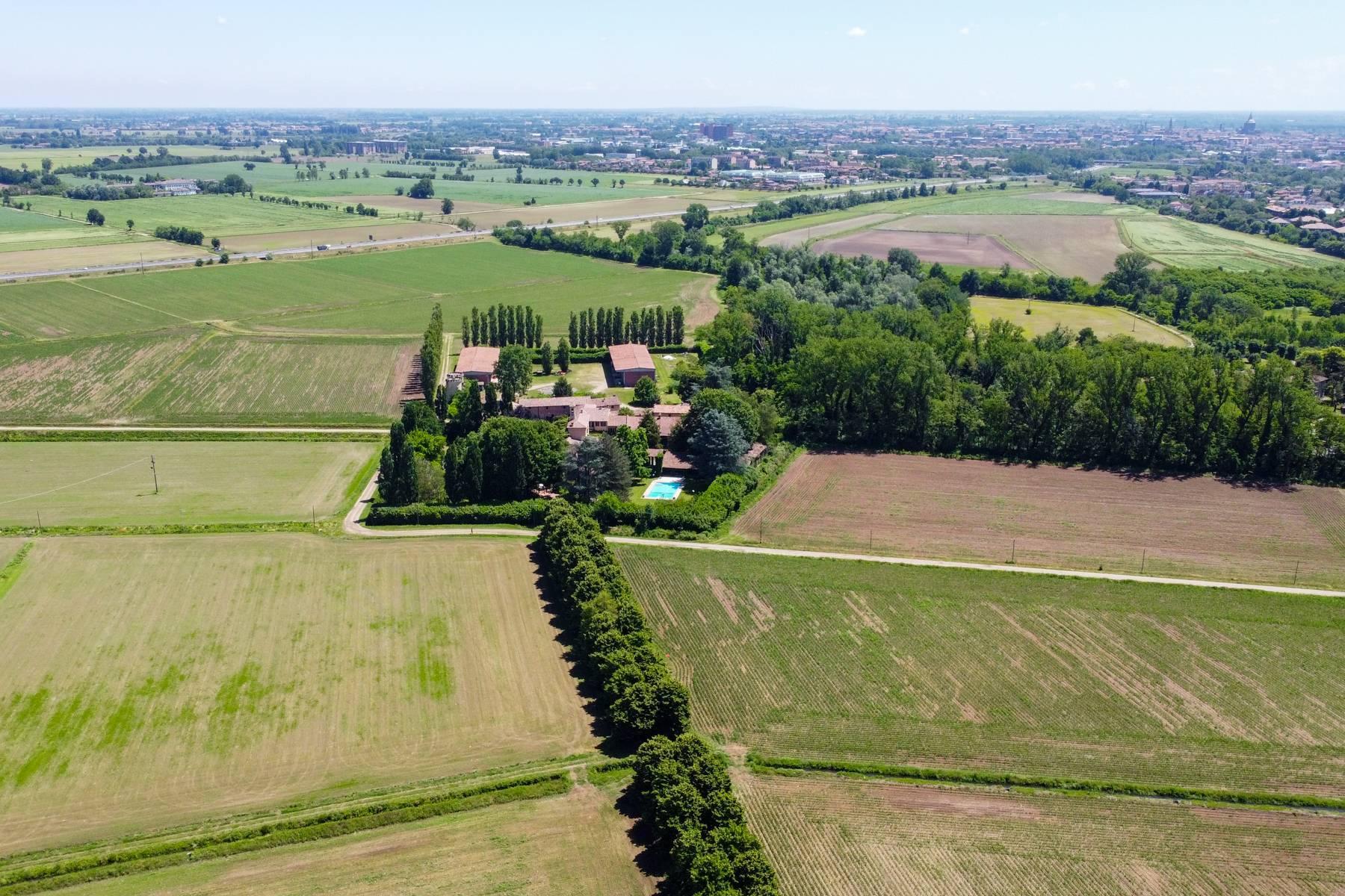 Magnifica proprietà immersa nel verde a Pavia - 13