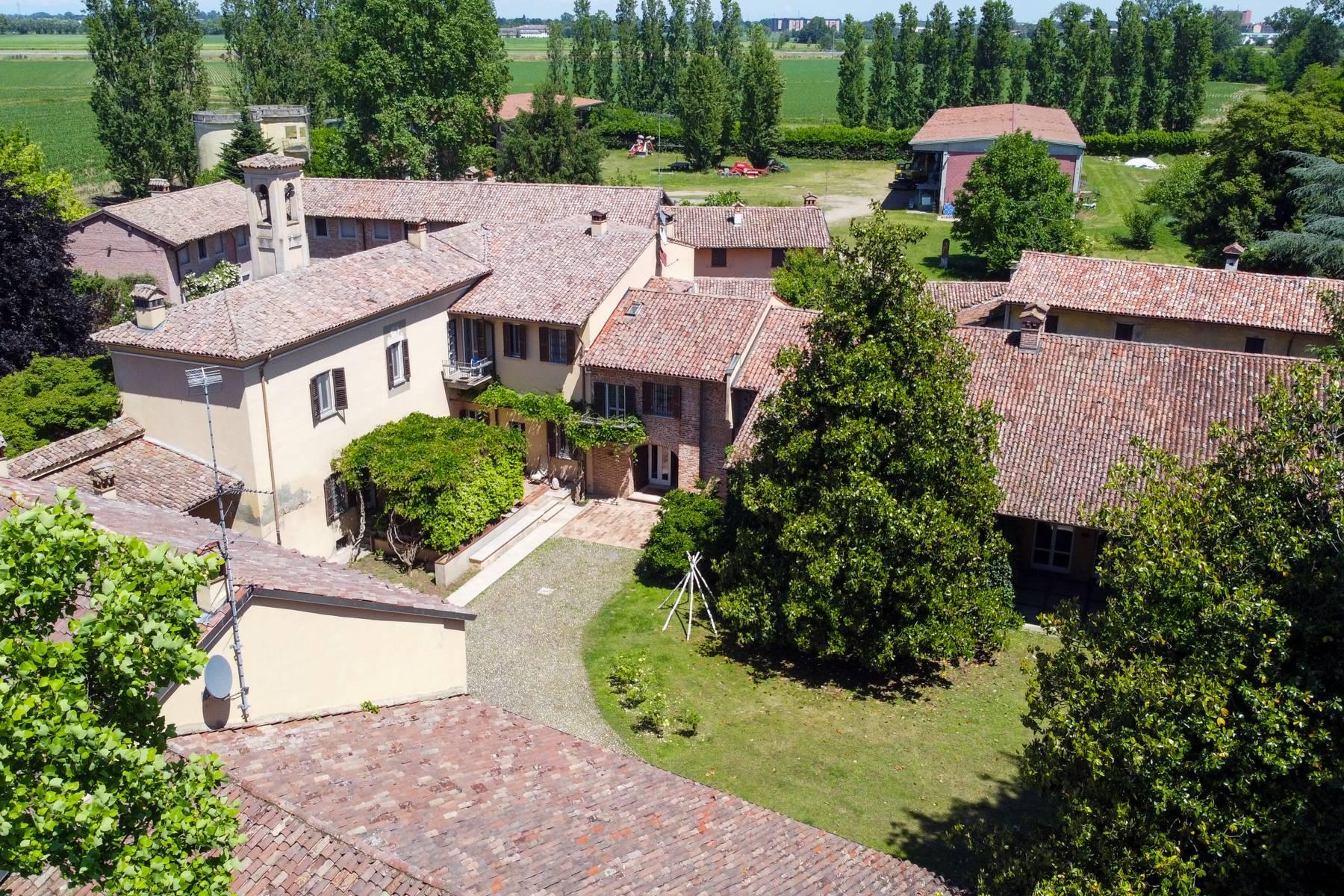 Magnifica proprietà immersa nel verde a Pavia - 33