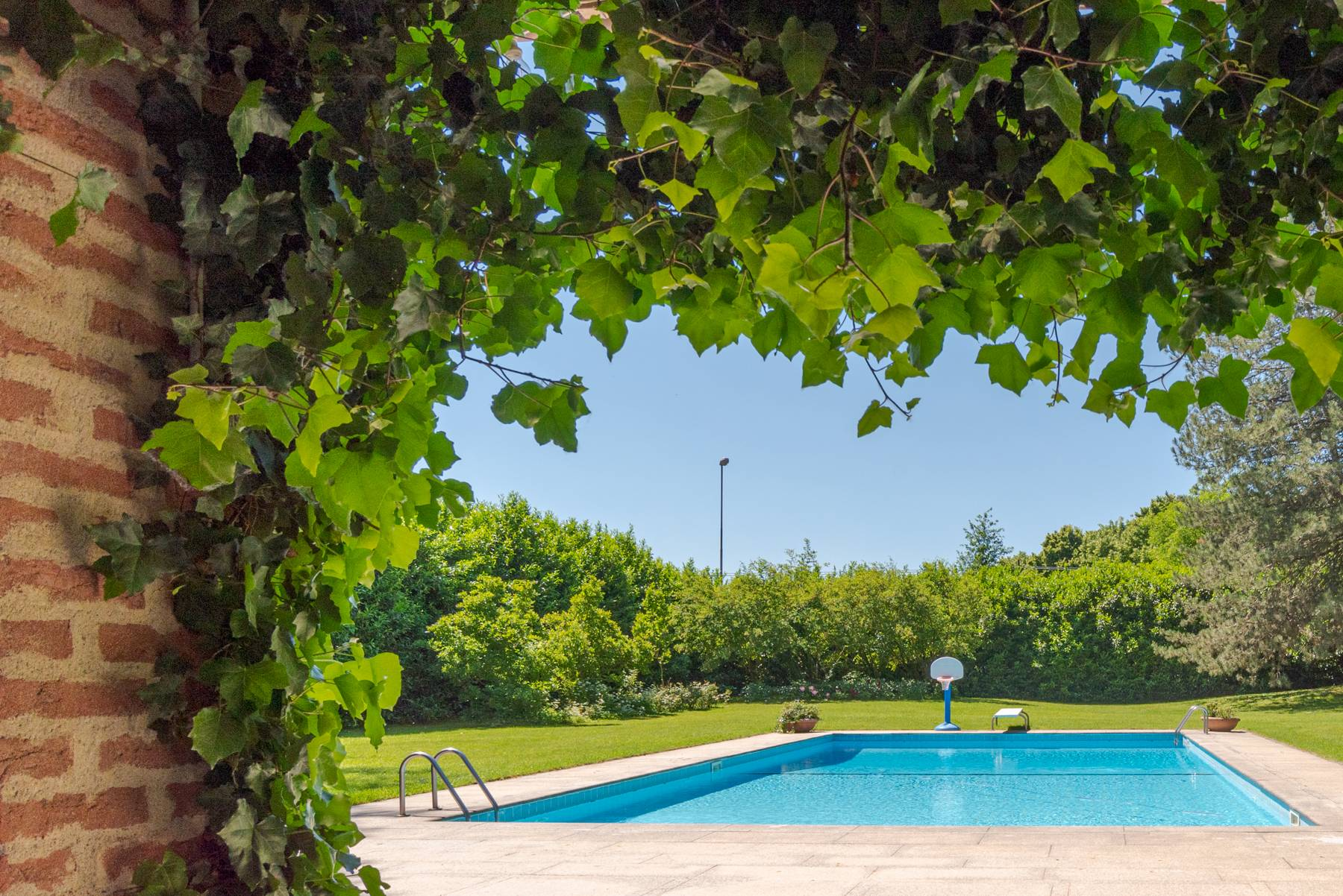 Magnifica proprietà immersa nel verde a Pavia - 16
