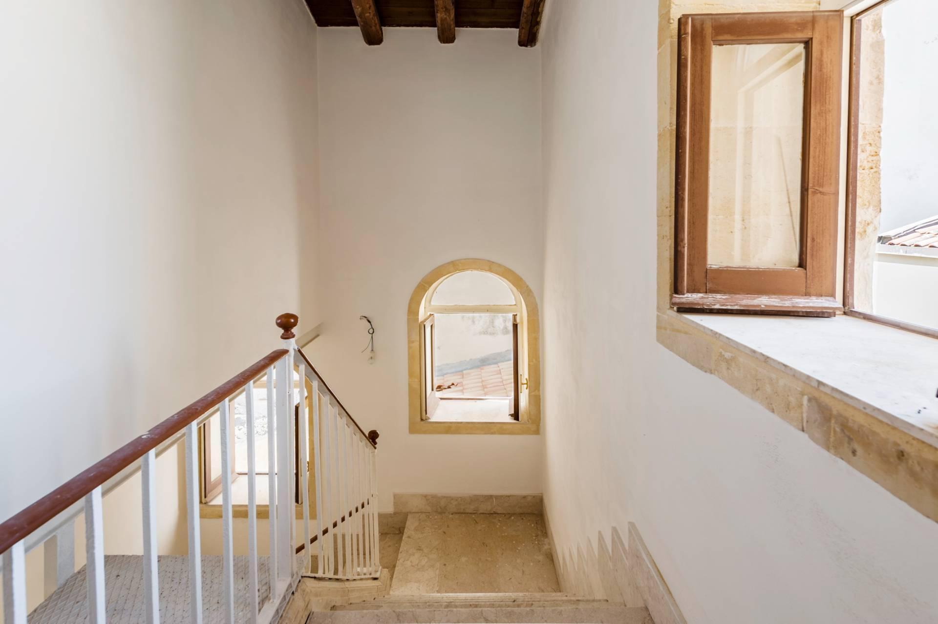 Elegante palazzo nel centro di Ortigia - 12